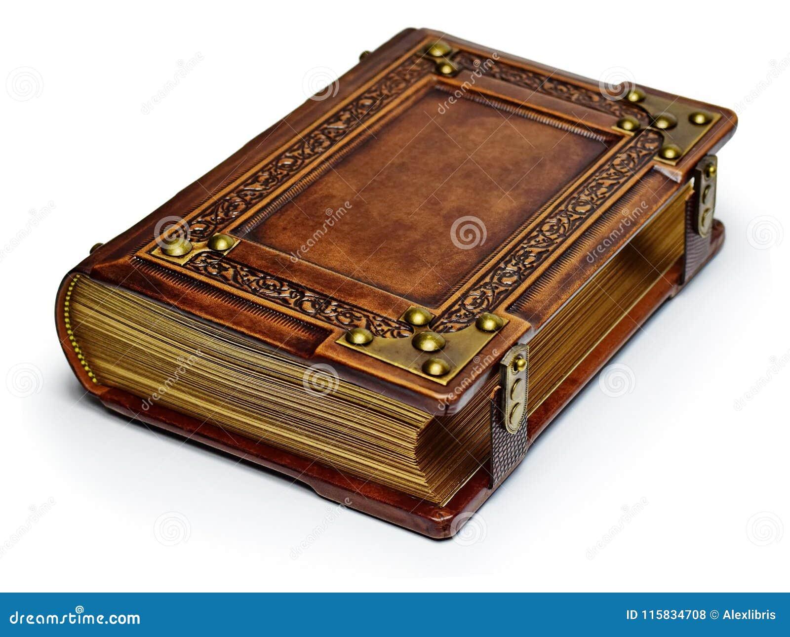 Libro di cuoio marrone d annata con i bordi di carta, gli angoli di metallo e le cinghie dorati