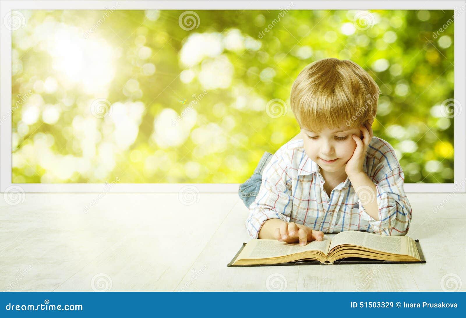 Libro di lettura del ragazzo del bambino piccolo, sviluppo iniziale dei piccoli bambini