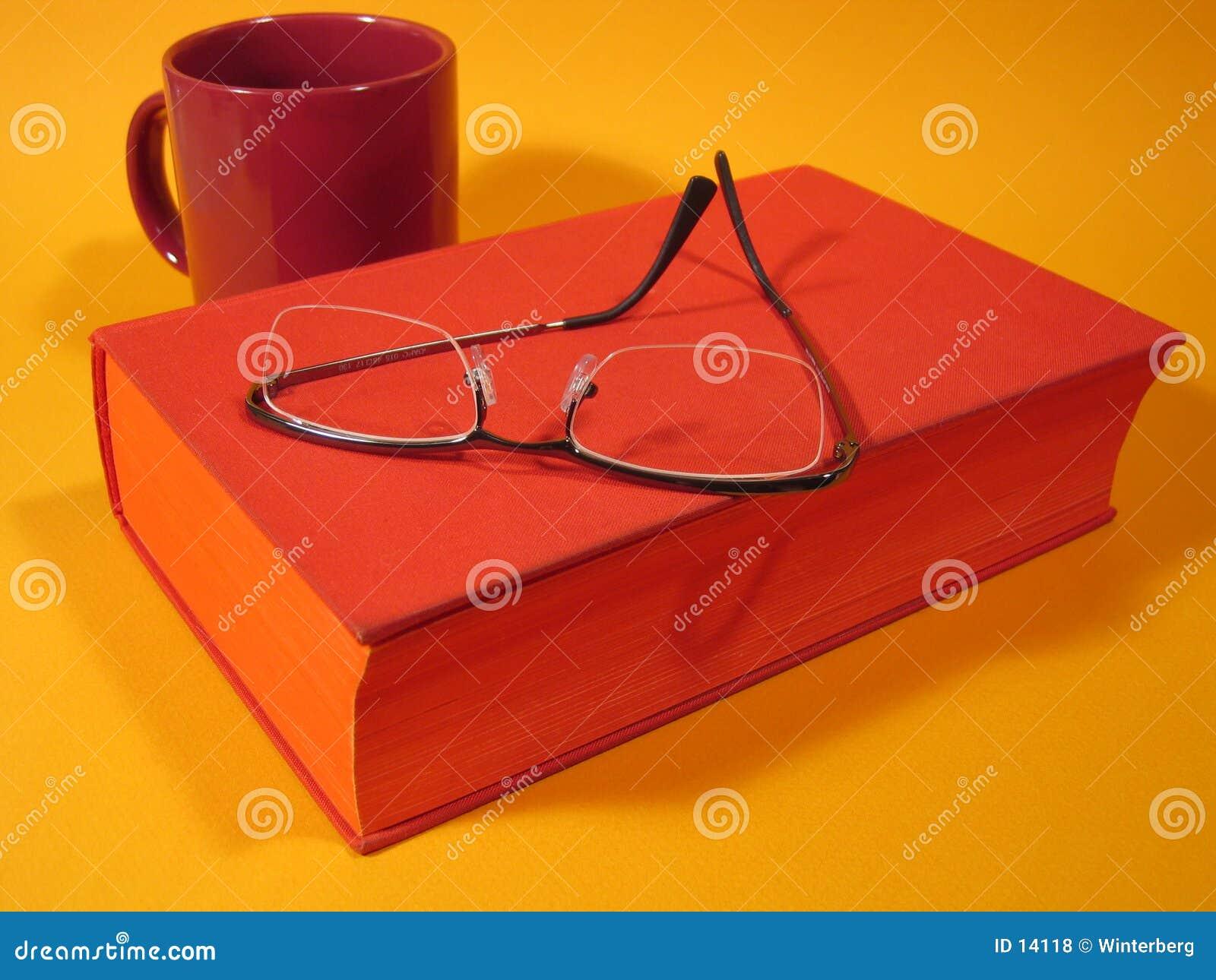 Libro y vidrios rojos III