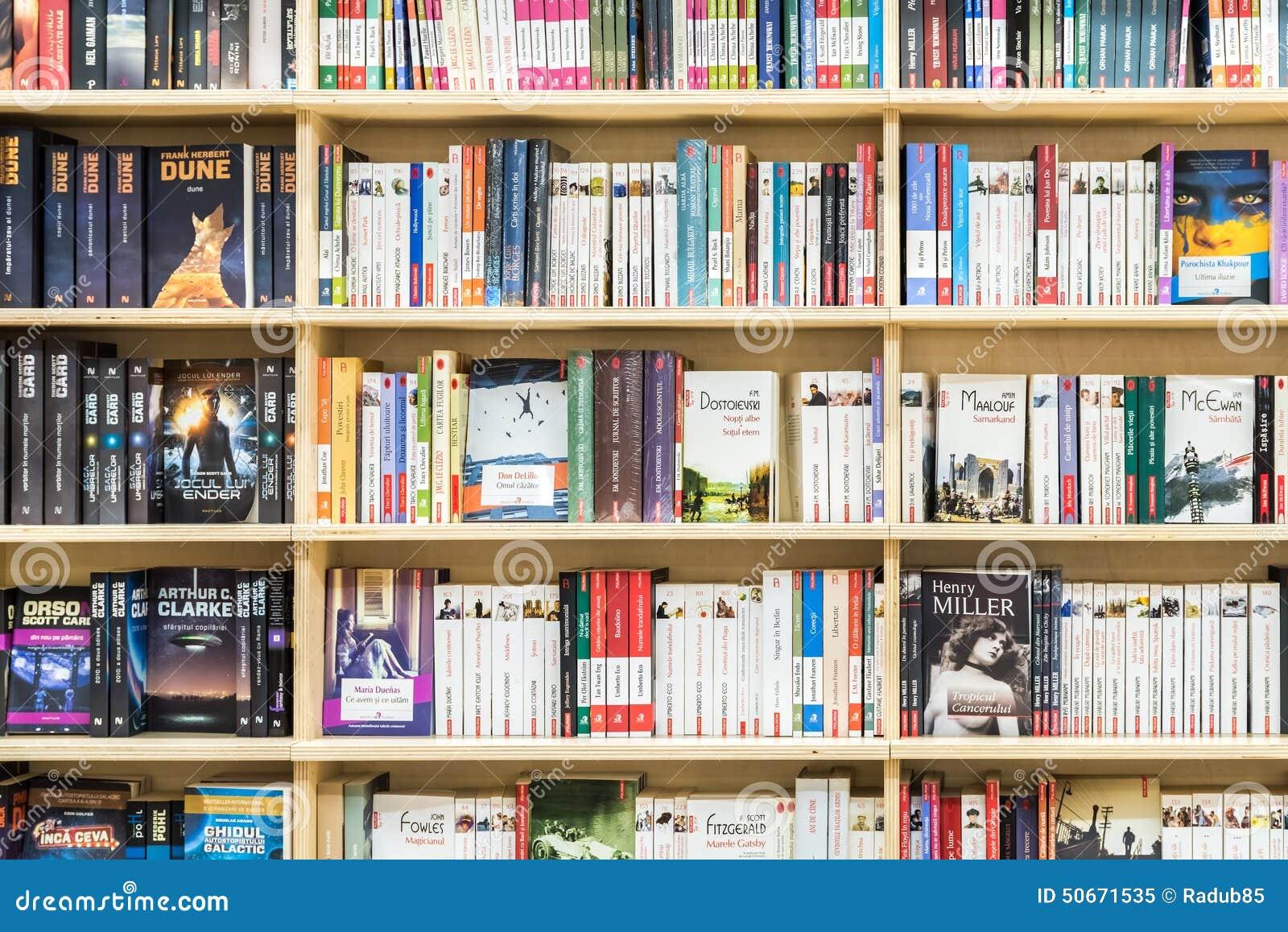 Libros famosos para la venta en estante de la biblioteca - Estantes para libros ...