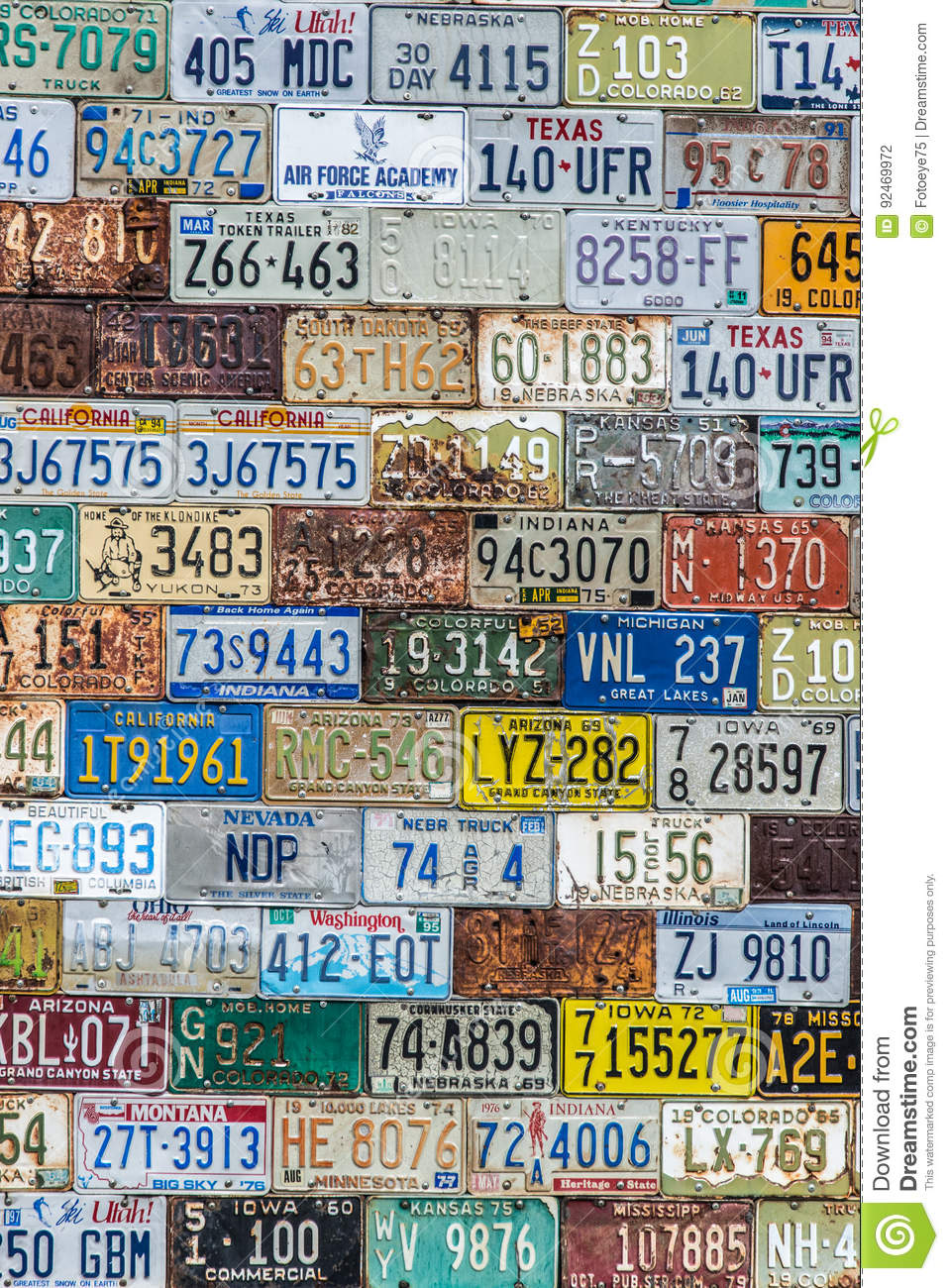https://thumbs.dreamstime.com/z/license-plate-background-texture-pattern-wall-old-vintage-made-discarded-plates-multiple-states-united-92469972.jpg