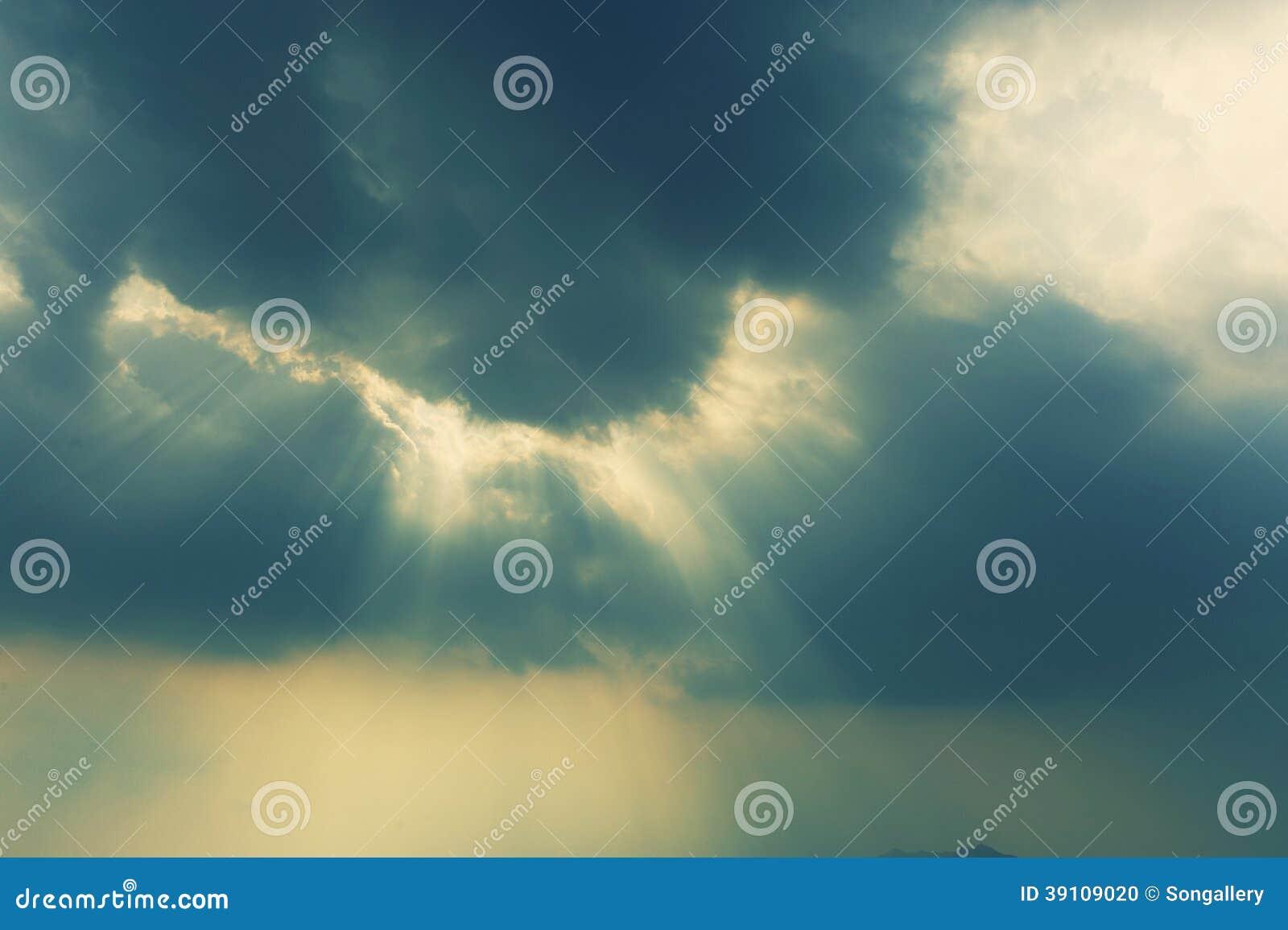 Licht door wolk