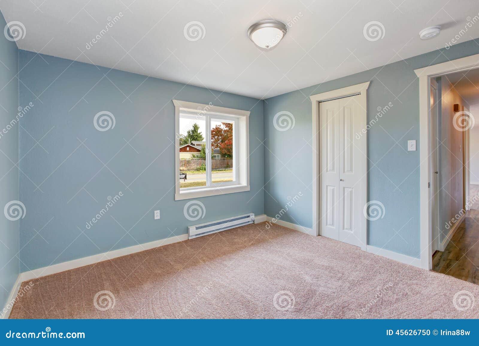 Lichtblauwe Slaapkamer Met Kasten Stock Foto   Afbeelding  45626750