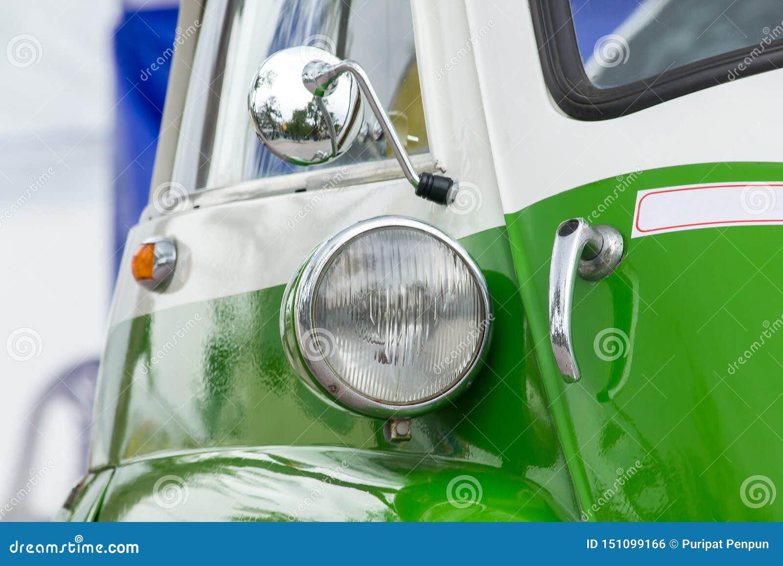 Lichten voor een uitstekende auto