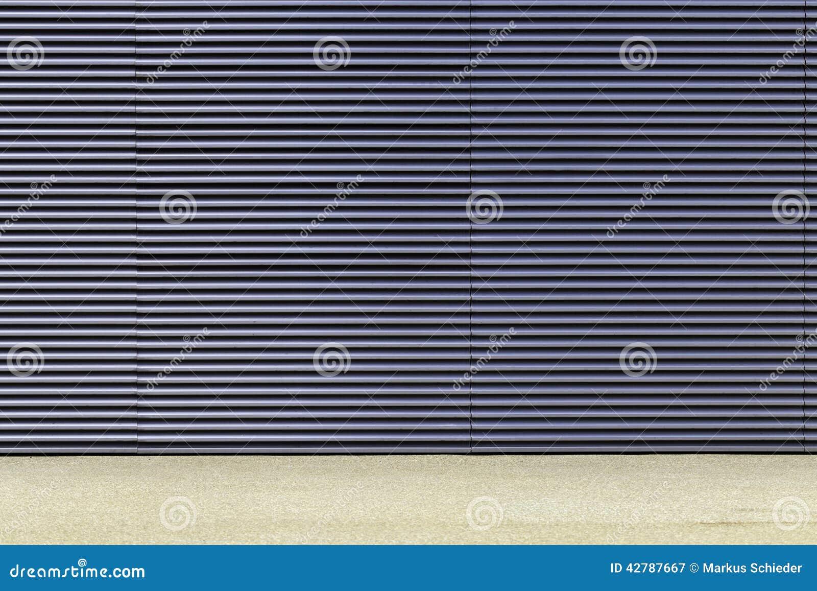 Lichtgrijze en blauwe muur stock foto afbeelding 42787667 for Lichtgrijze muur