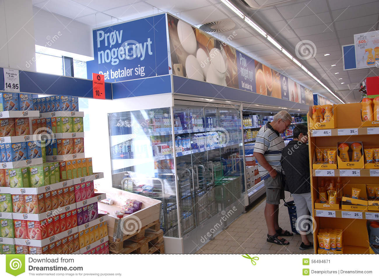 LIDL GROCERY STORE editorial photo  Image of people