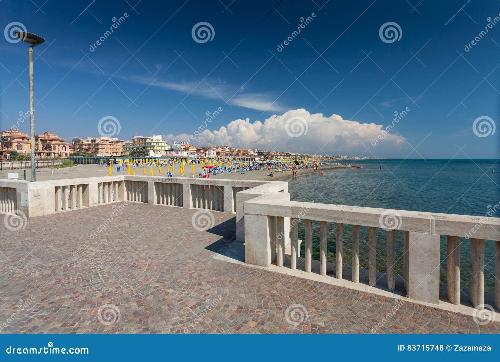 Lido Di Ostia Italia 14 De Septiembre De 2016 Opini N Sobre La  # Muebles Battistin