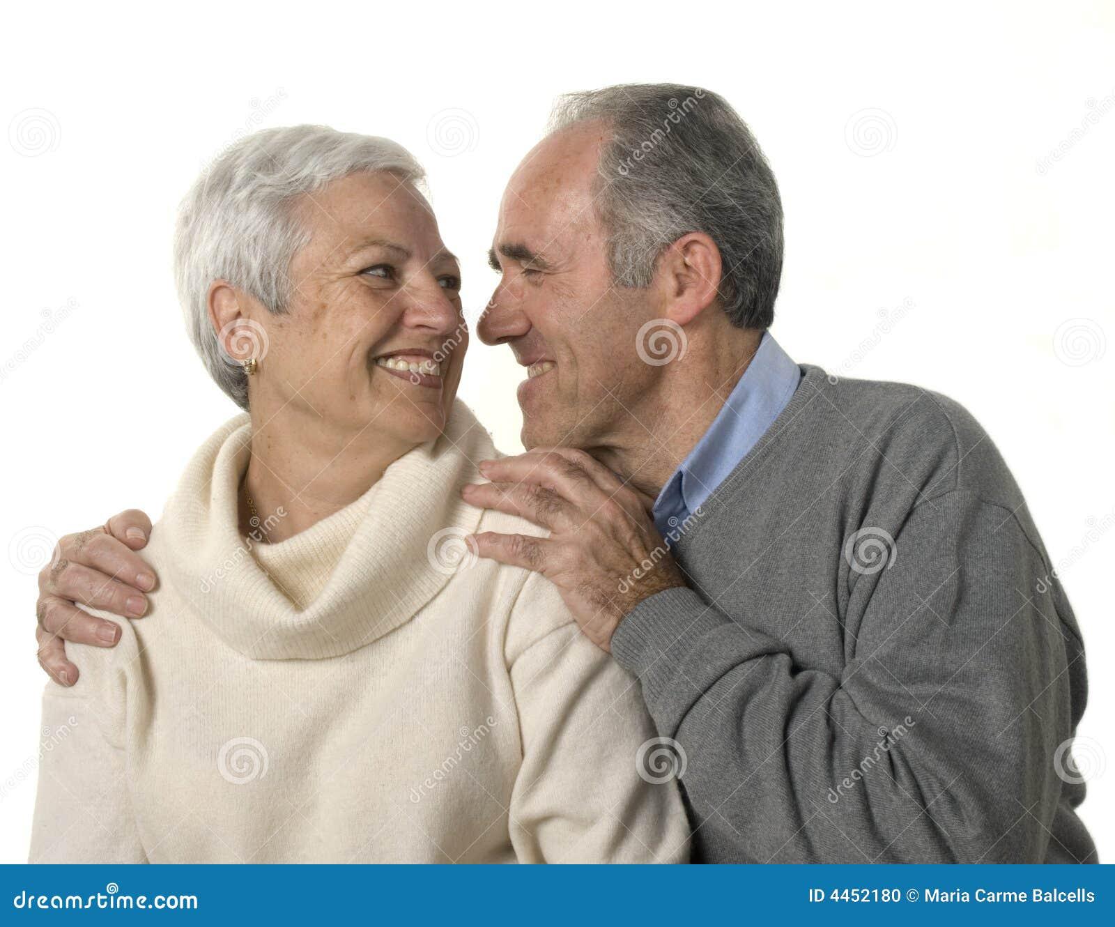 Liebevolle ältere Paare