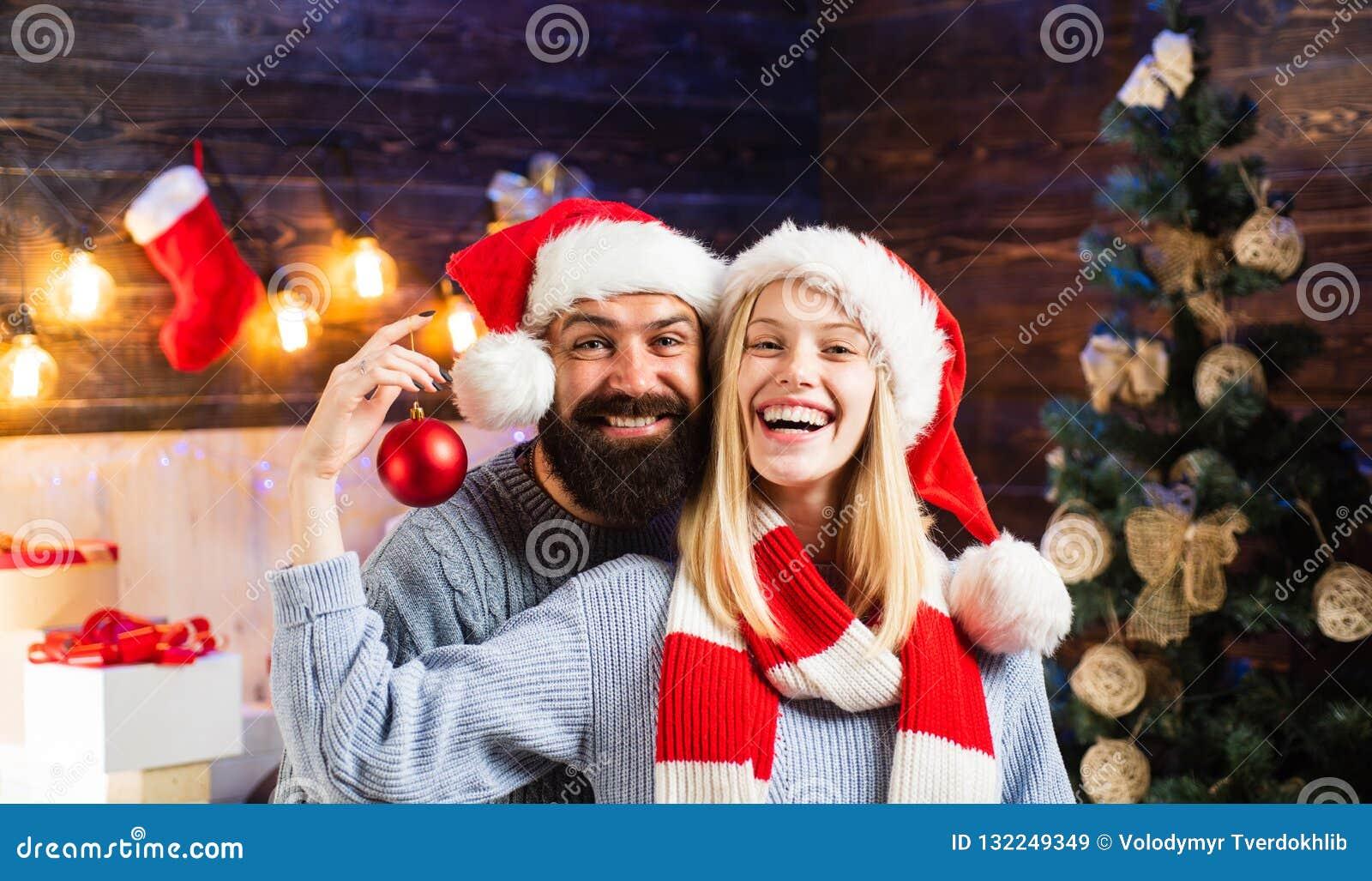 Frohe Weihnachten Familie.Liebevolle Familie Frohe Weihnachten Und Guten Rutsch Ins Neue Jahr