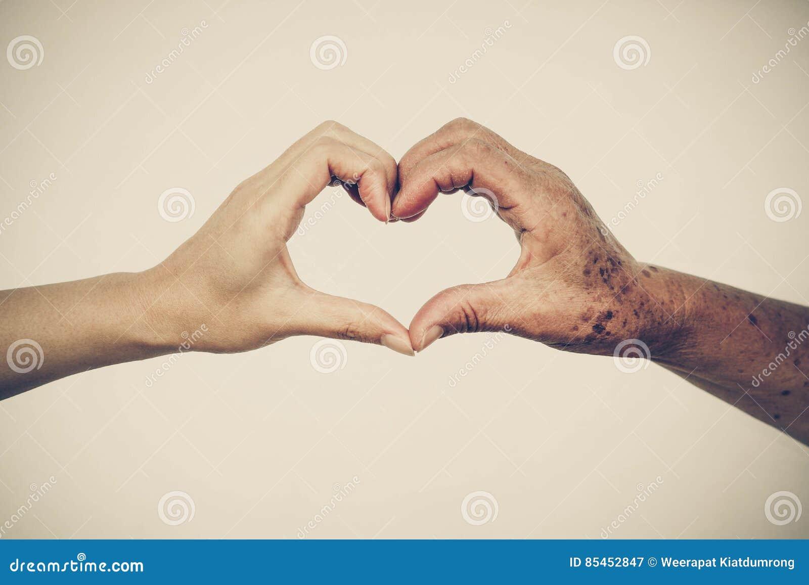 Liefde en zorg bejaarde mensen