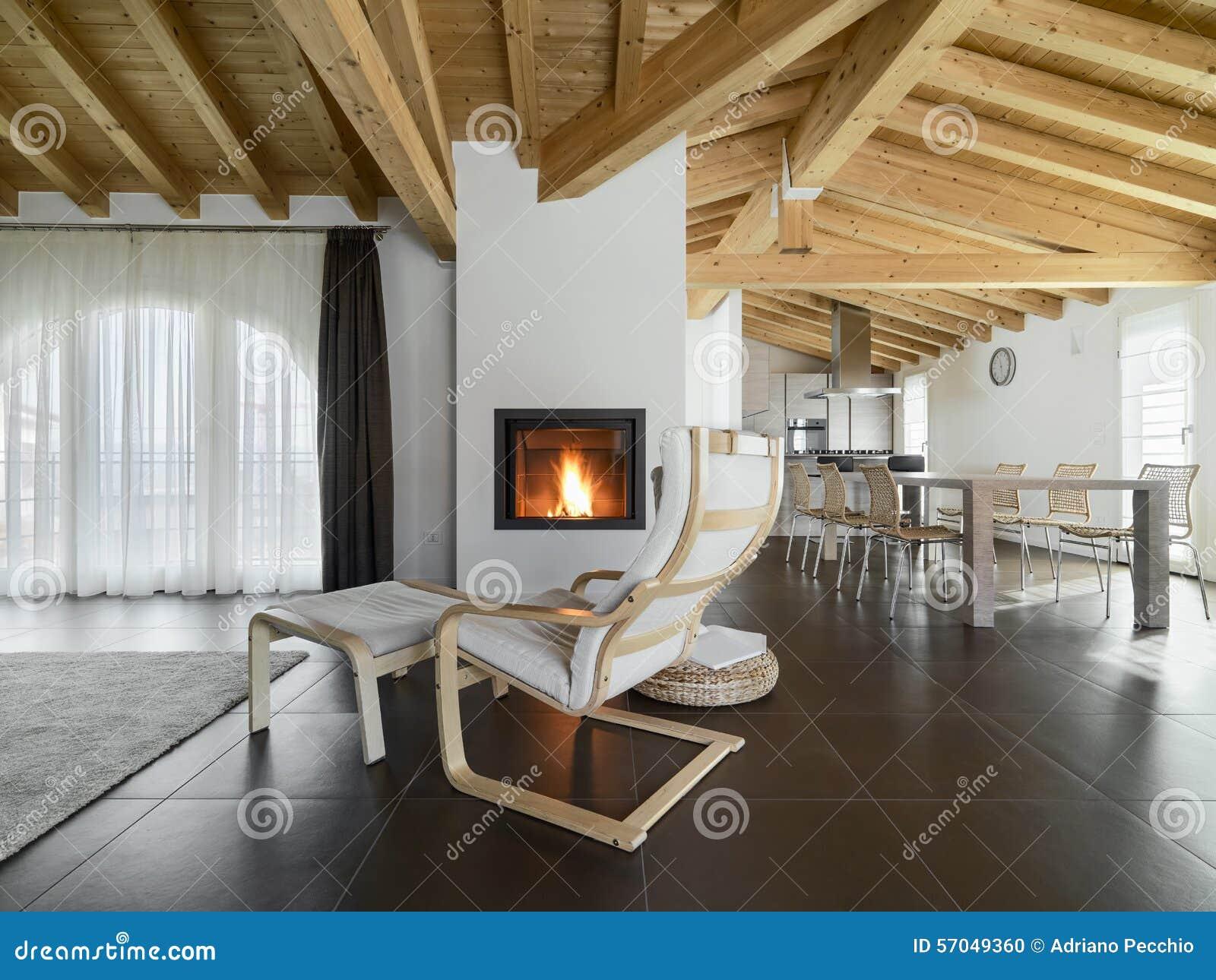 liege nahe zum kamin in einem wohnzimmer stockfoto bild von niemand haus 57049360. Black Bedroom Furniture Sets. Home Design Ideas