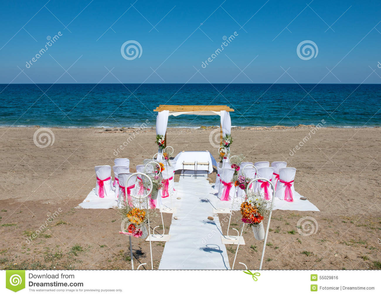lieu de rendez vous de mariage sur la plage photo stock image 55029816. Black Bedroom Furniture Sets. Home Design Ideas