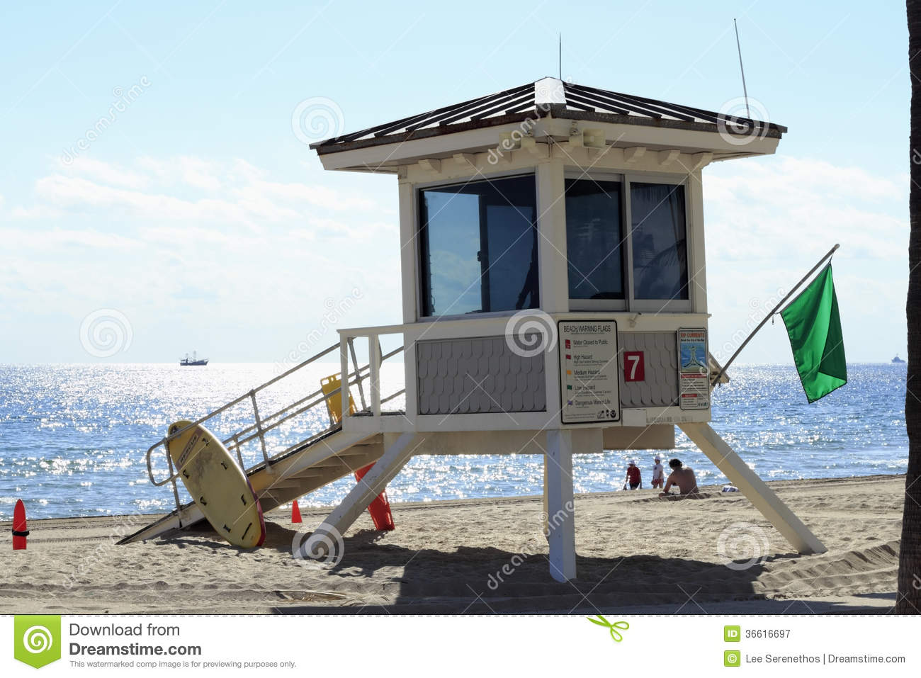 Lifeguard House  7  Fort Lauderdale Editorial Photo