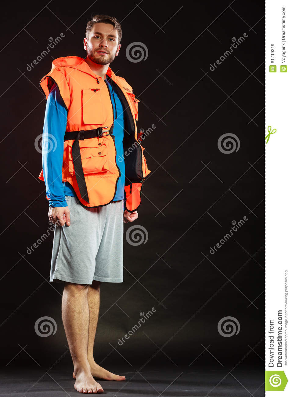 how to use life jacket in water