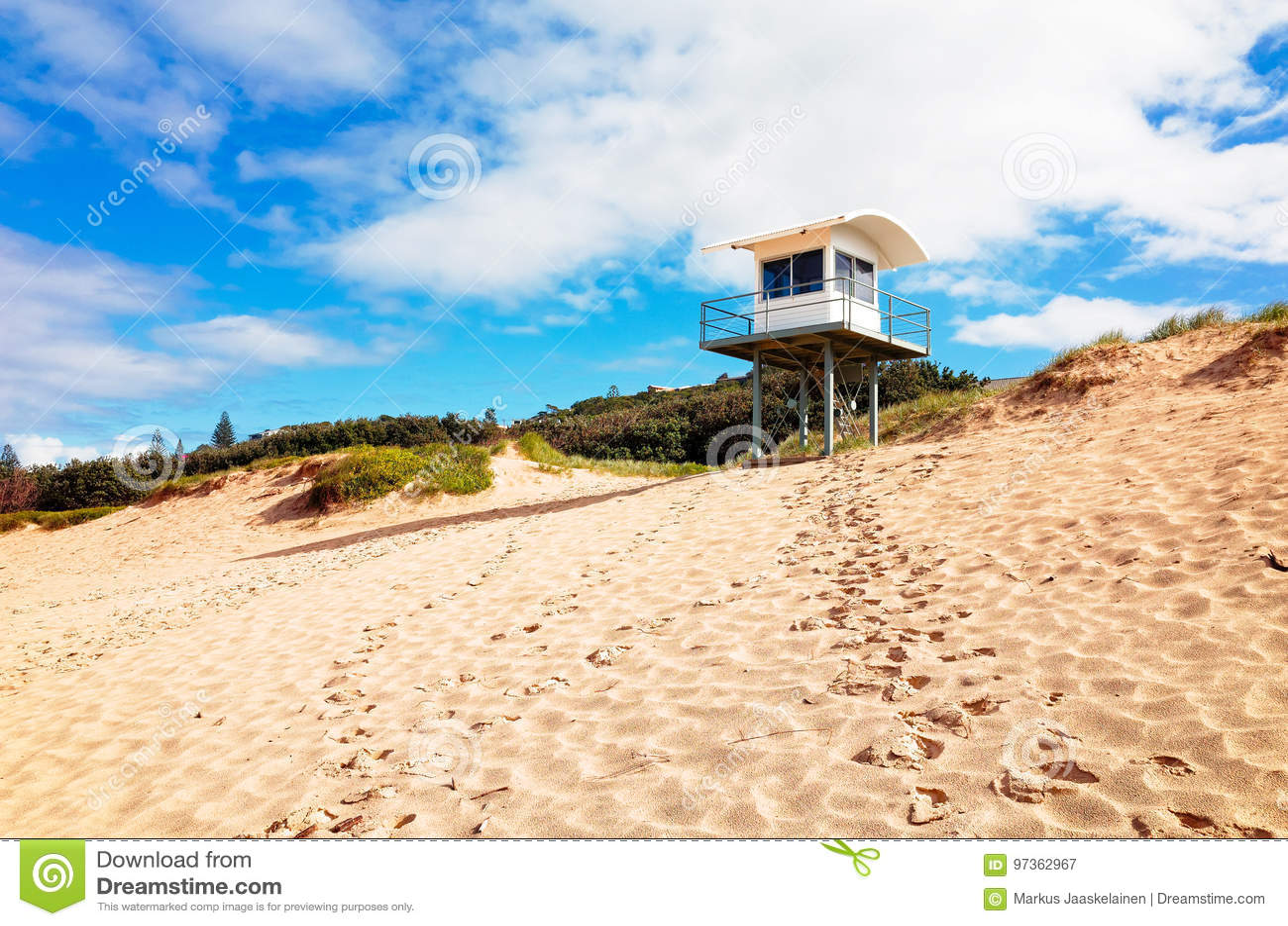 bc8590fc92d Lifeguard tower on Lighthouse Beach in Portmacquarie Australia. Lifeguard  hut overlooking sandy beach. Australian beach surveillance tower.