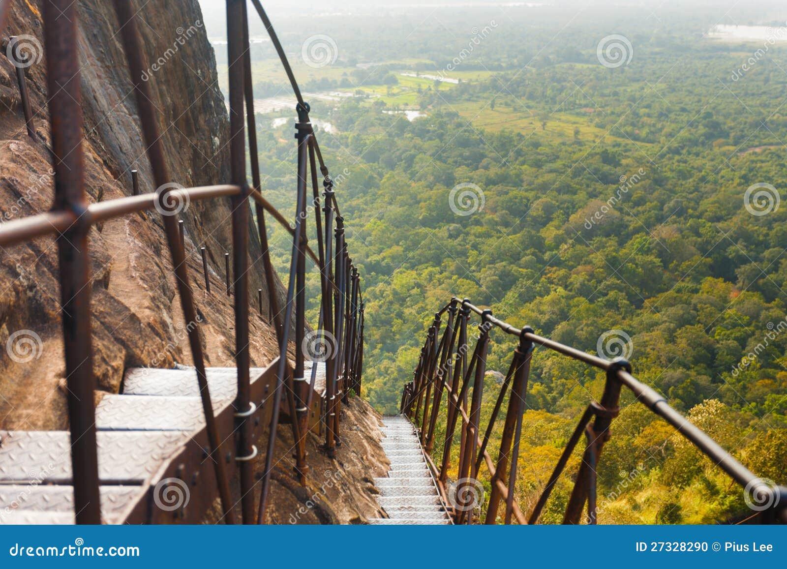 Liggande för trappa för metall för Sigiriya Rock brant under