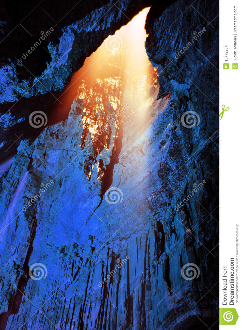 Light from above - Gaping Gill Cave