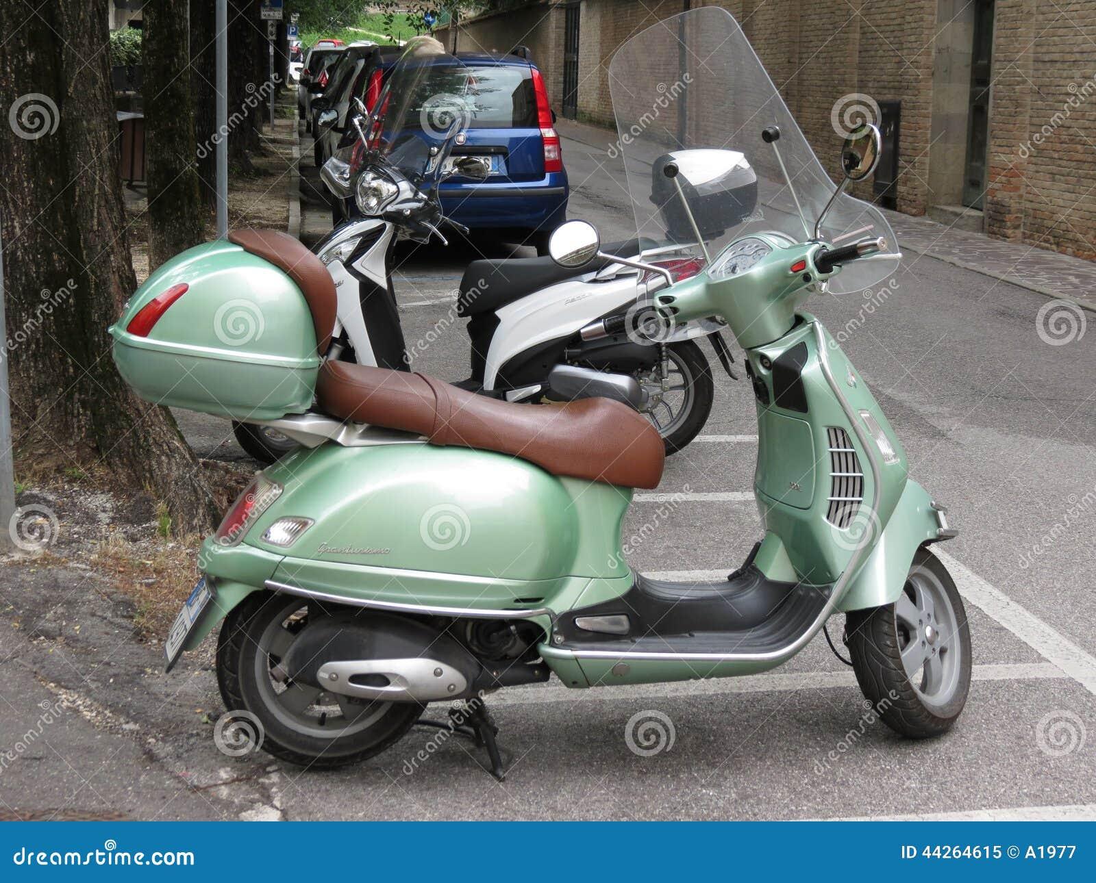 Light green piaggio vespa editorial image image of europe for Vespa com italia