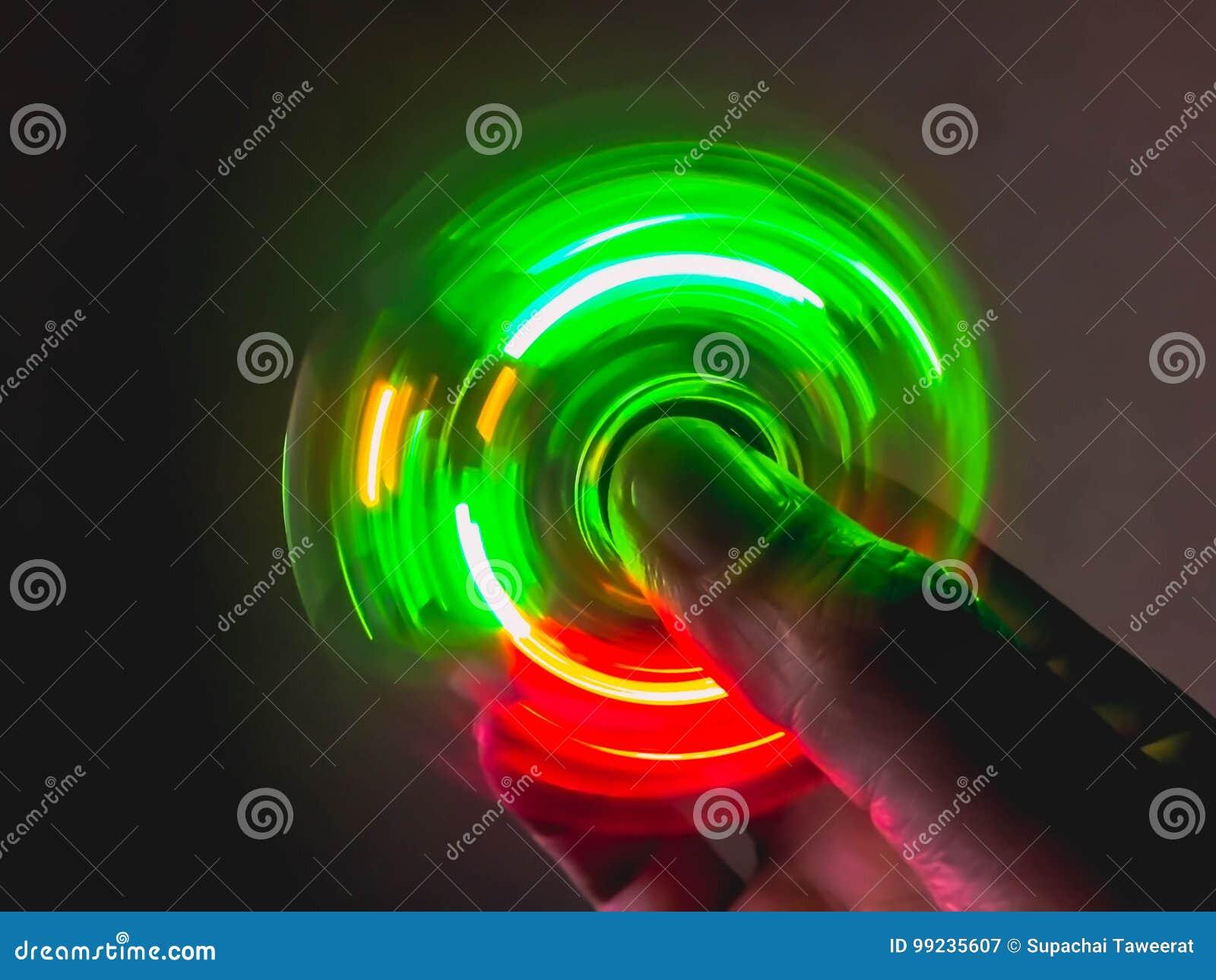 Light spinning on hand