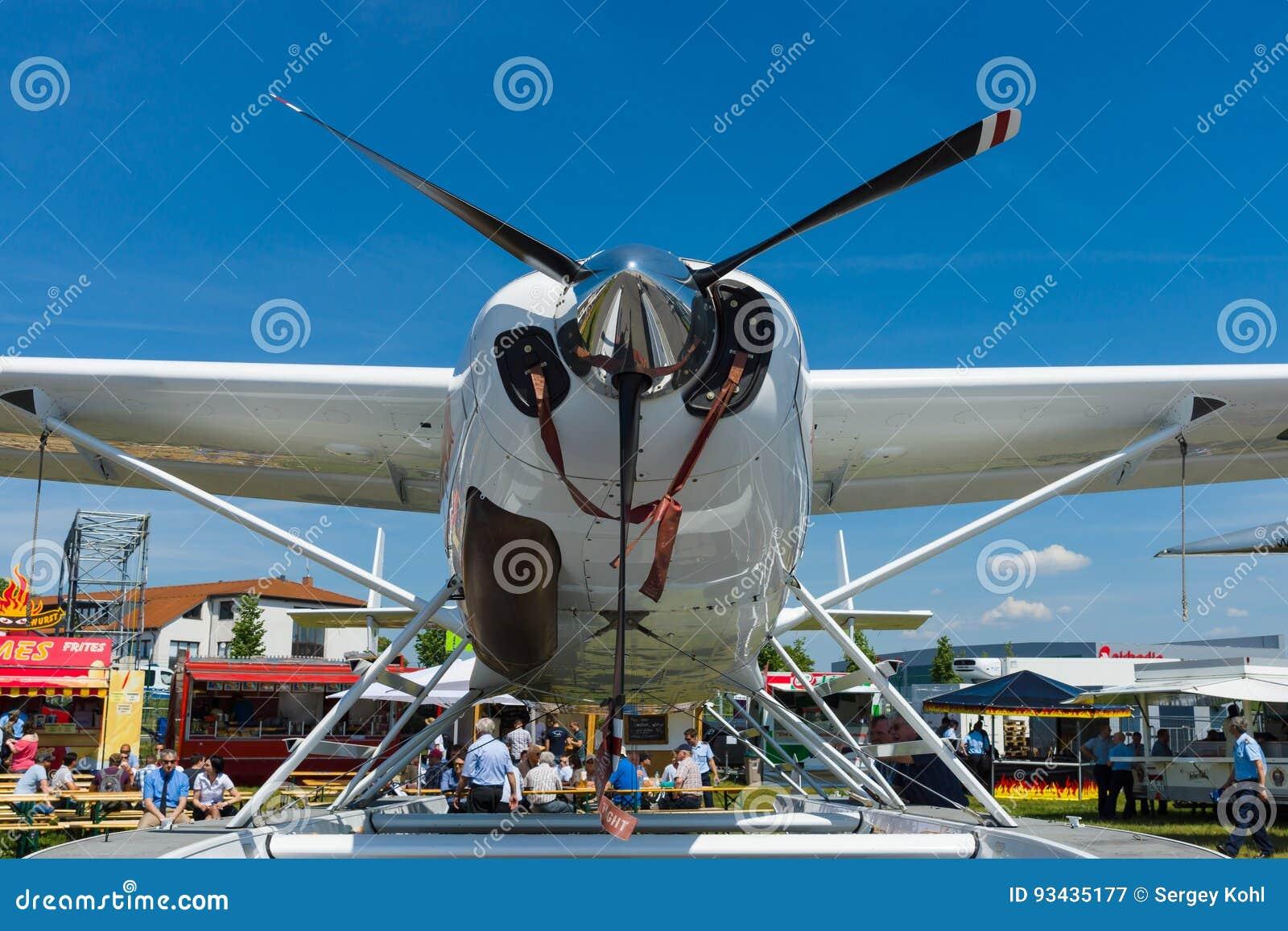 Light transport turboprop Cessna 208 Caravan Amphibian.