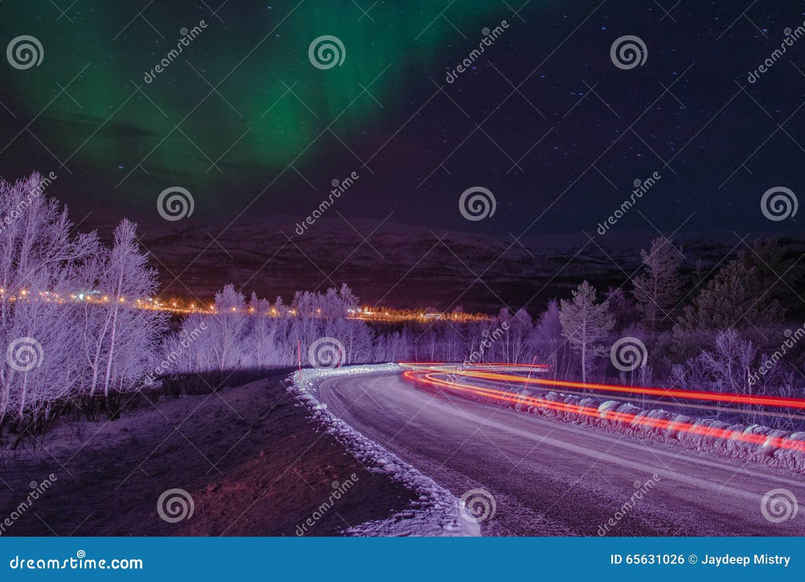 Lightbeams sous les lumières du nord