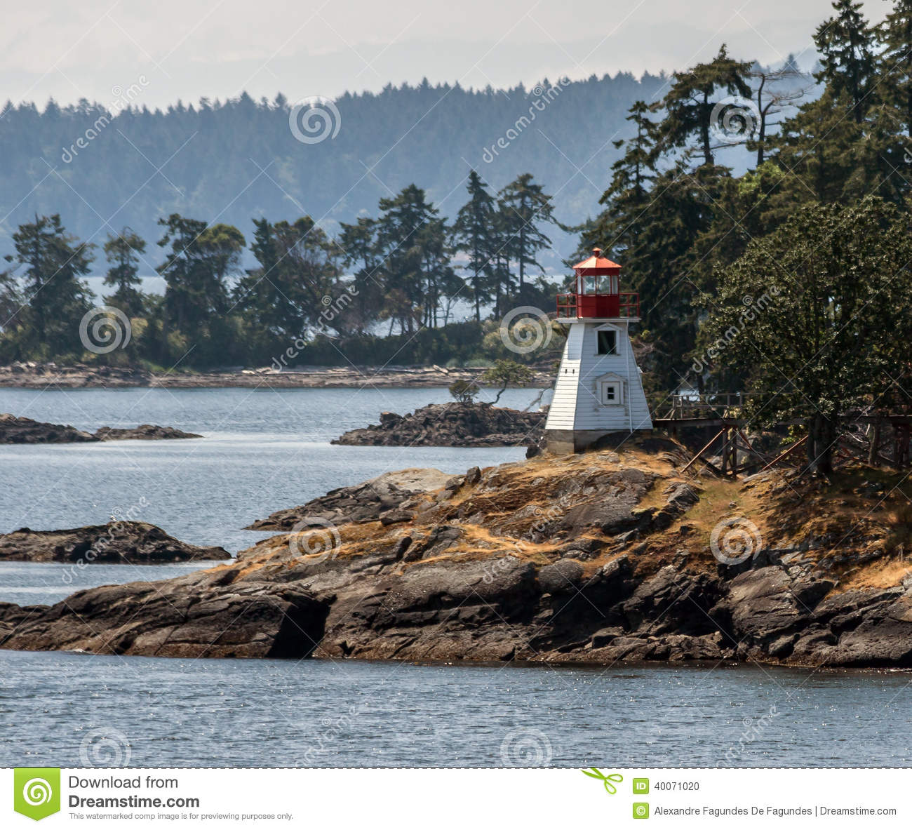 Lighthouse in vancouver island stock photo image 40071020 for Columbia woods