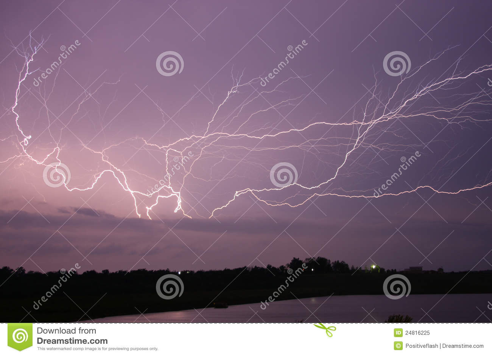 Royalty free stock photo: lightning across the sky