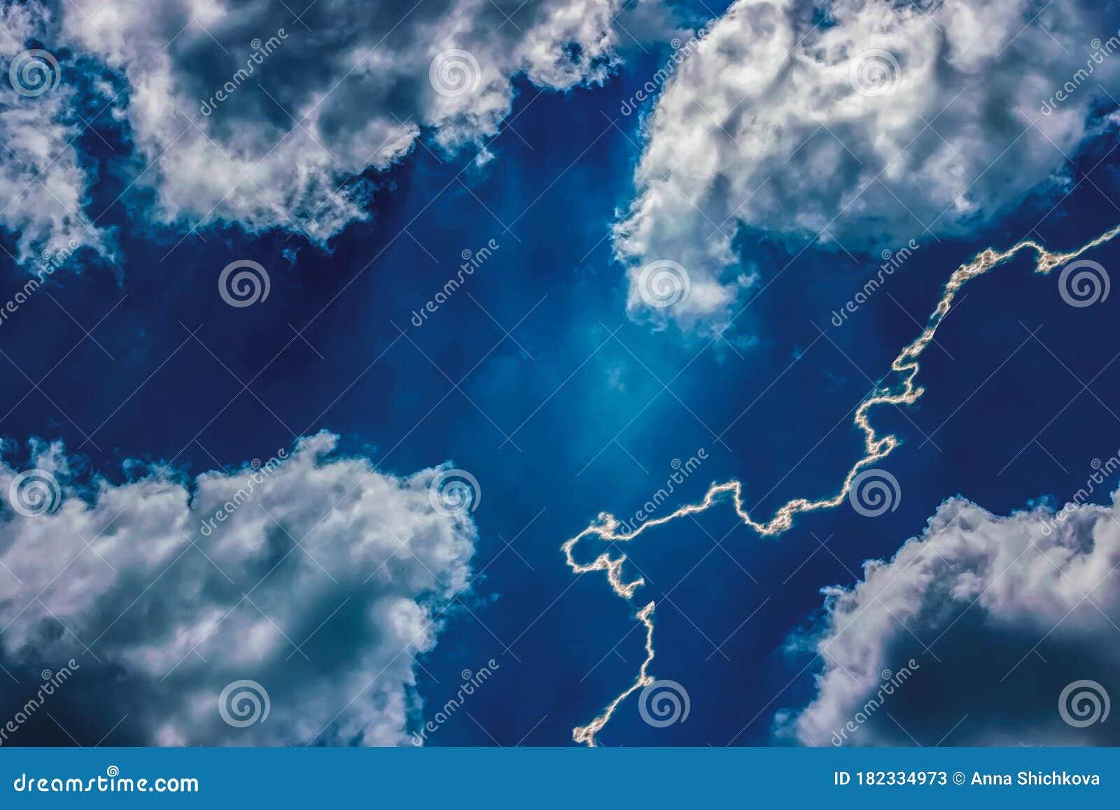 Lightning in Cumulus Clouds Vertical |Cumulus Clouds Lightning