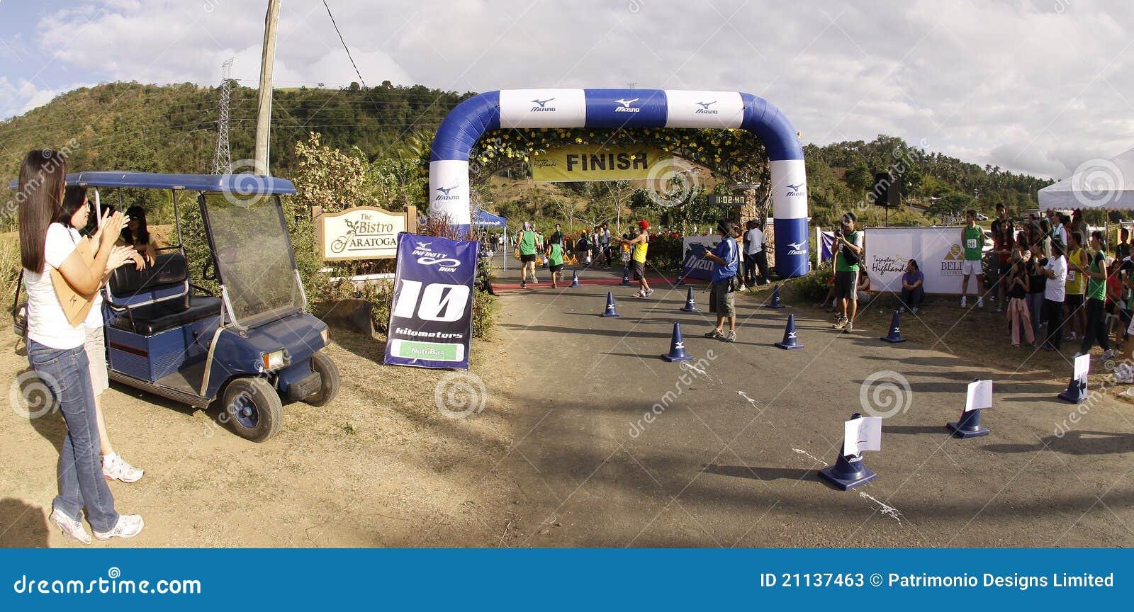 Ligne d arrivée de turbines de marathon
