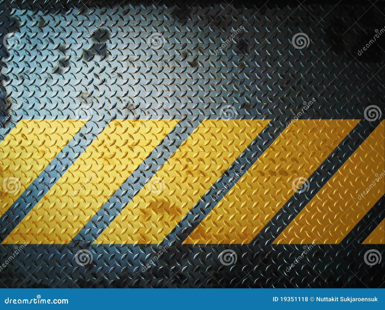 Ligne jaune grunge gris-foncé de plaque d étage en acier