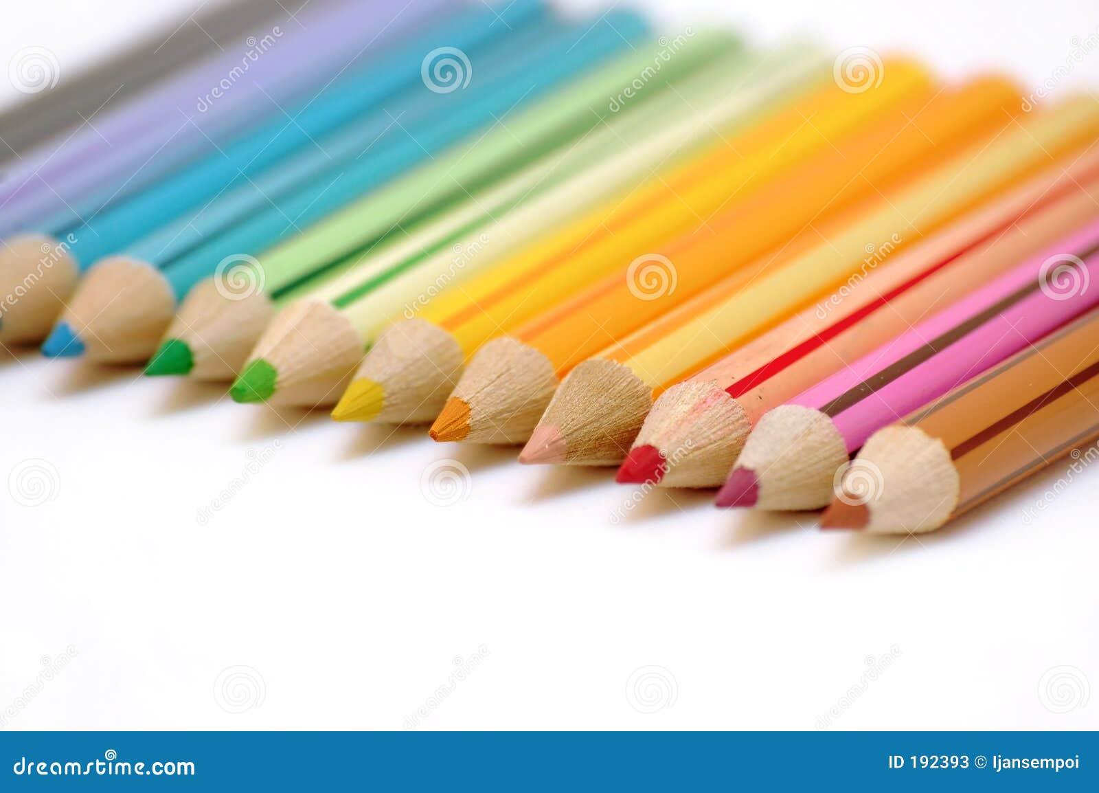 Lignes des crayons de couleur