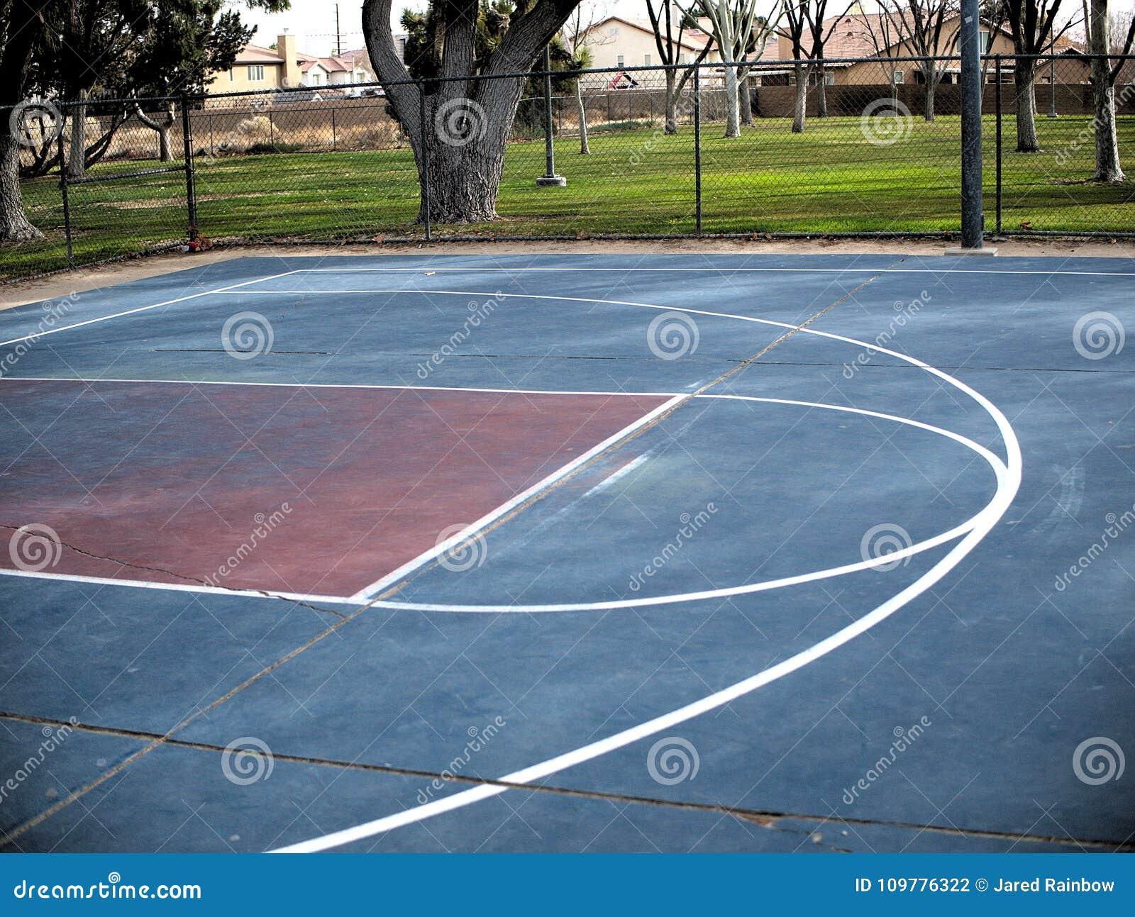Sol Terrain De Basket lignes vides de terrain de basket peintes sur l'au sol de
