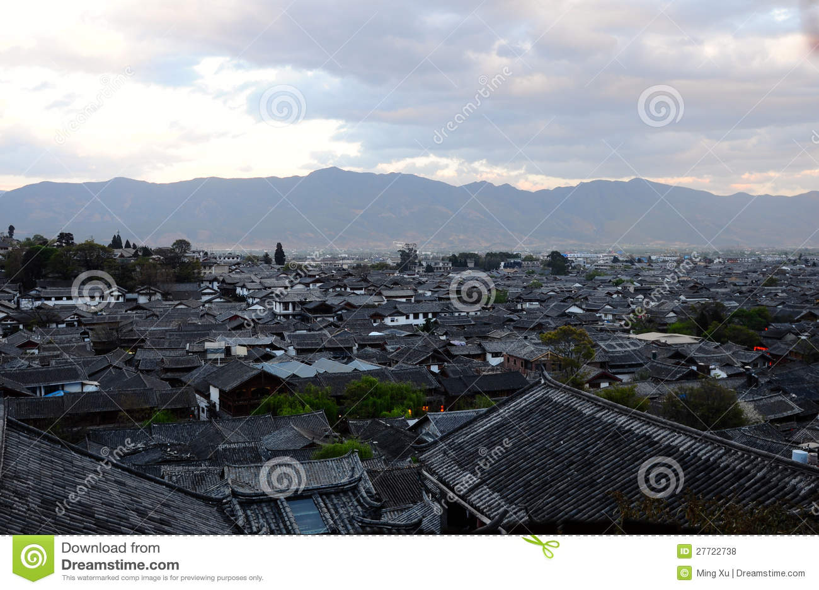 Lijiang Dachspitzen