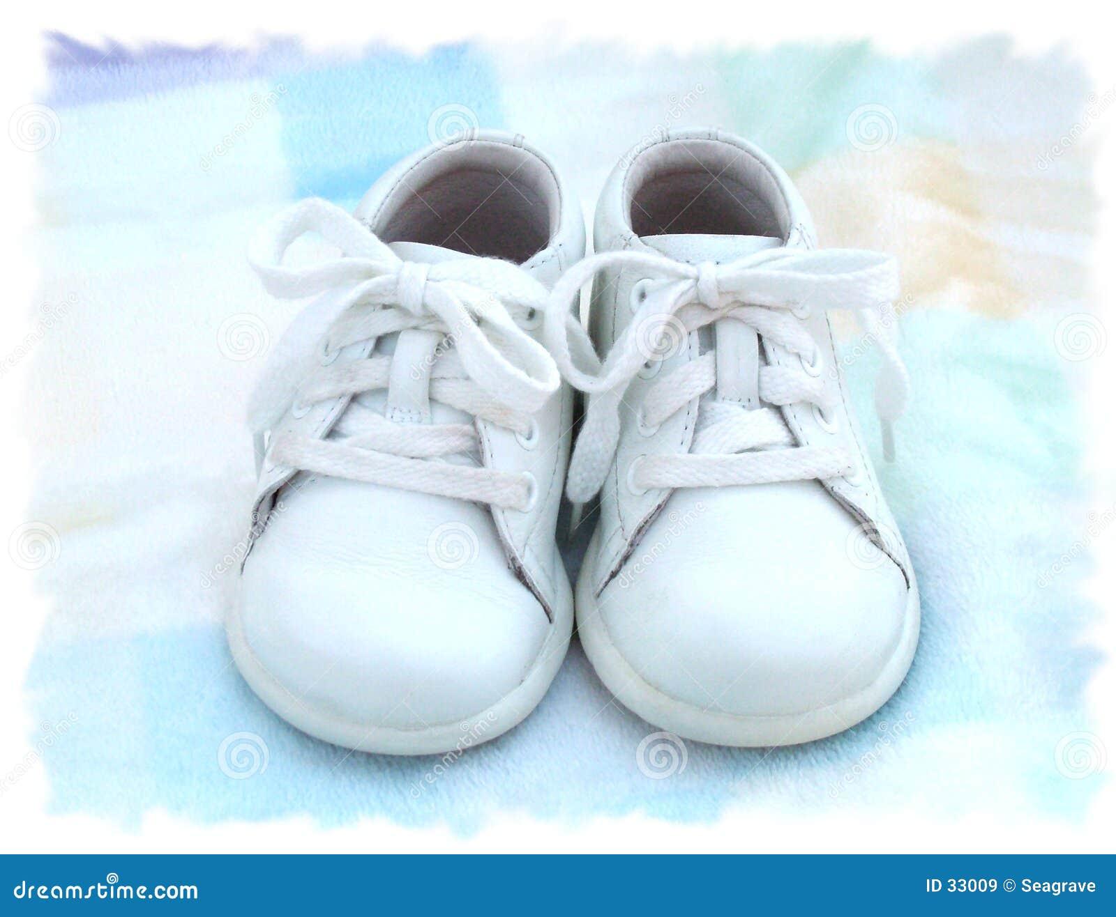 Download Lil'baby zwei Schuhe stockbild. Bild von kinder, pastell - 33009