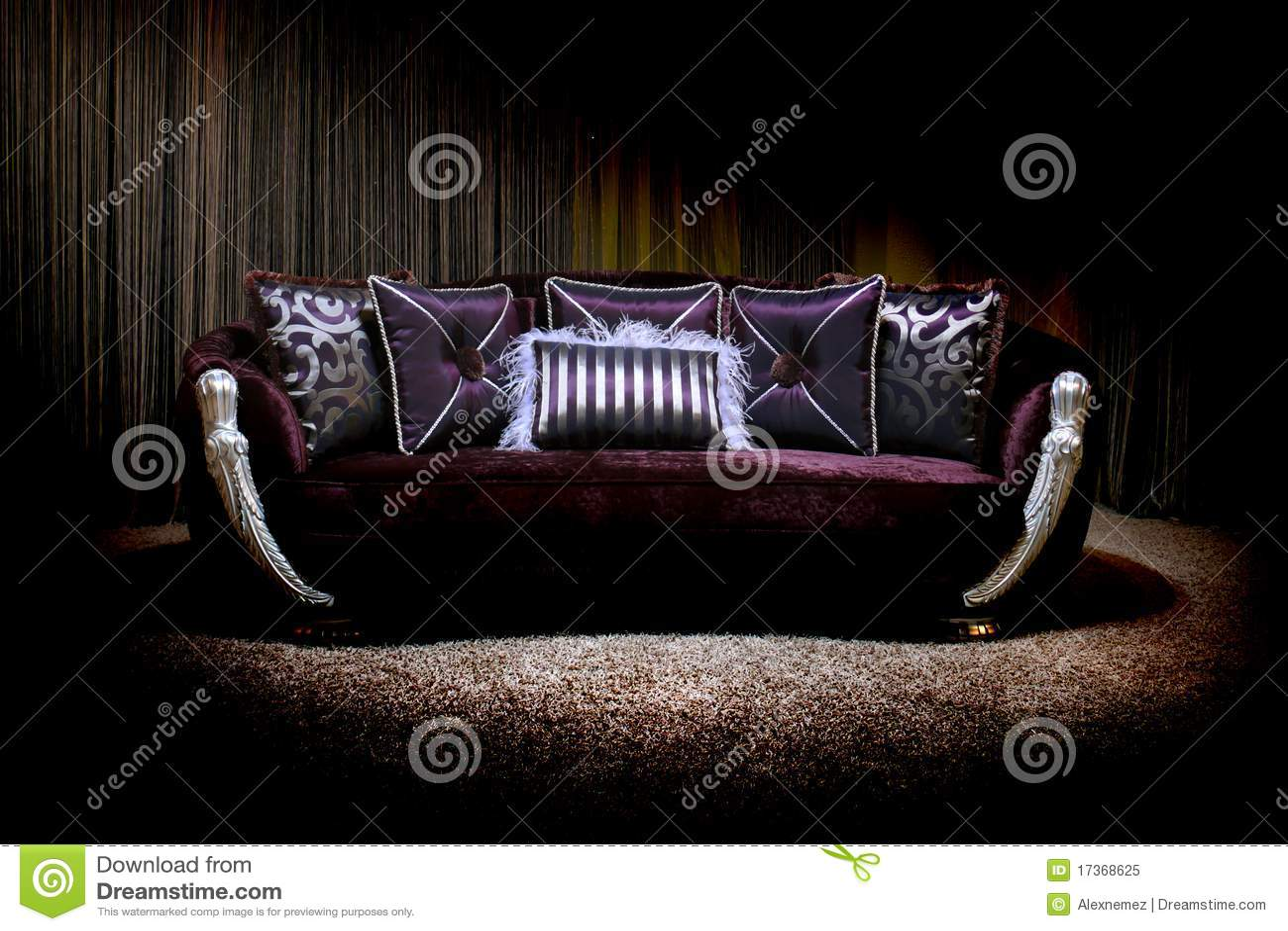 lila couch stockbild bild von kostspielig bequem gotisch 17368625. Black Bedroom Furniture Sets. Home Design Ideas