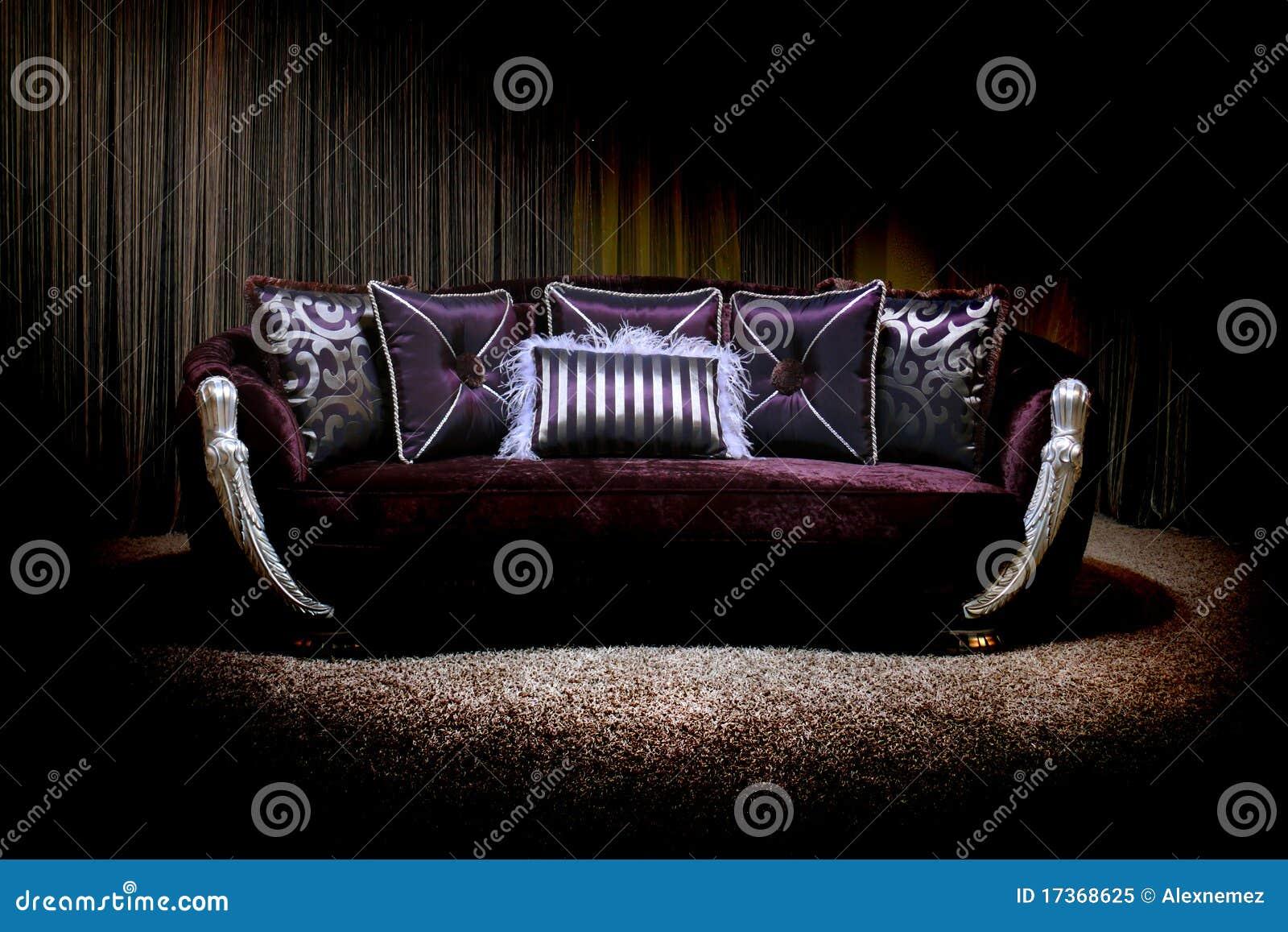 lila couch lizenzfreies stockfoto bild 17368625. Black Bedroom Furniture Sets. Home Design Ideas
