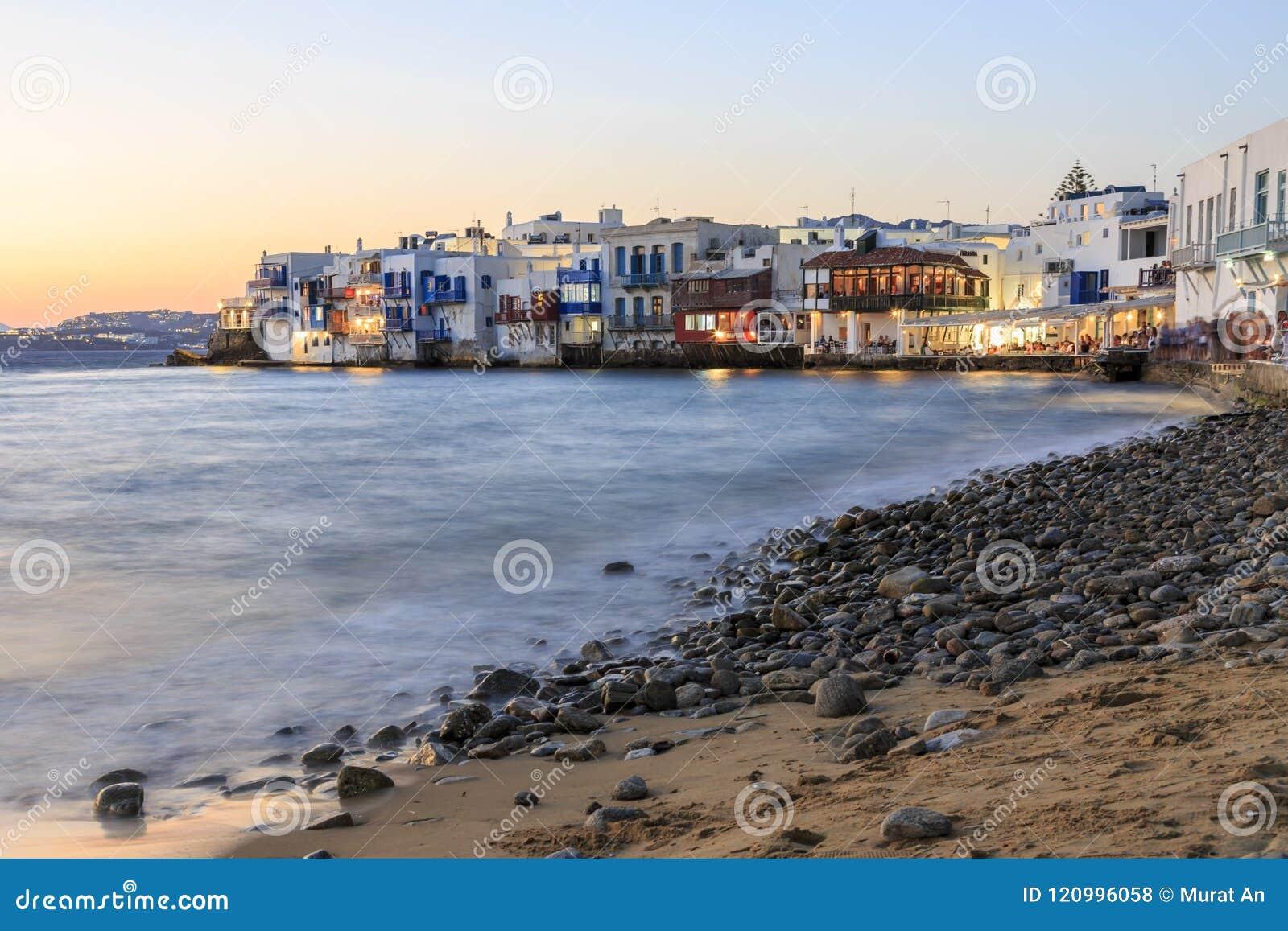Lilla venice från stranden i gammal staddel av Mykonos, Grekland dur