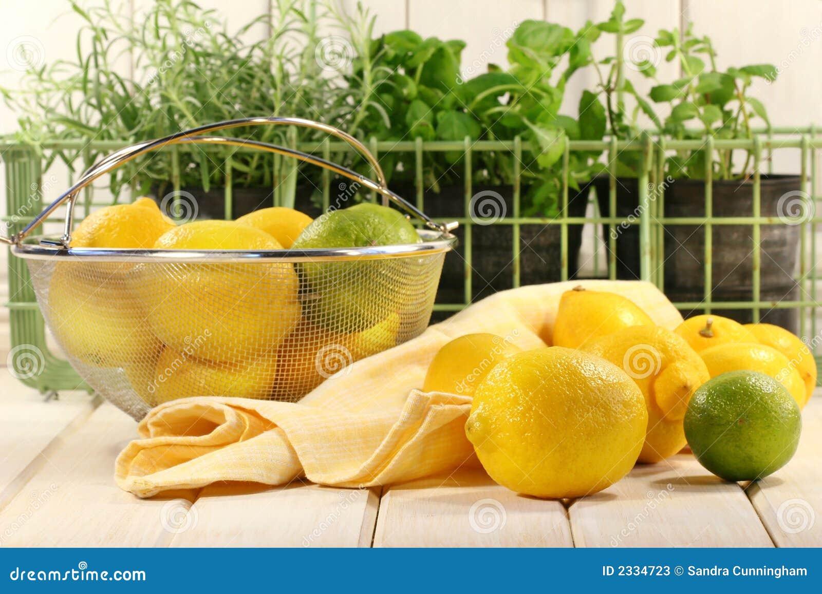 Limões e ervas