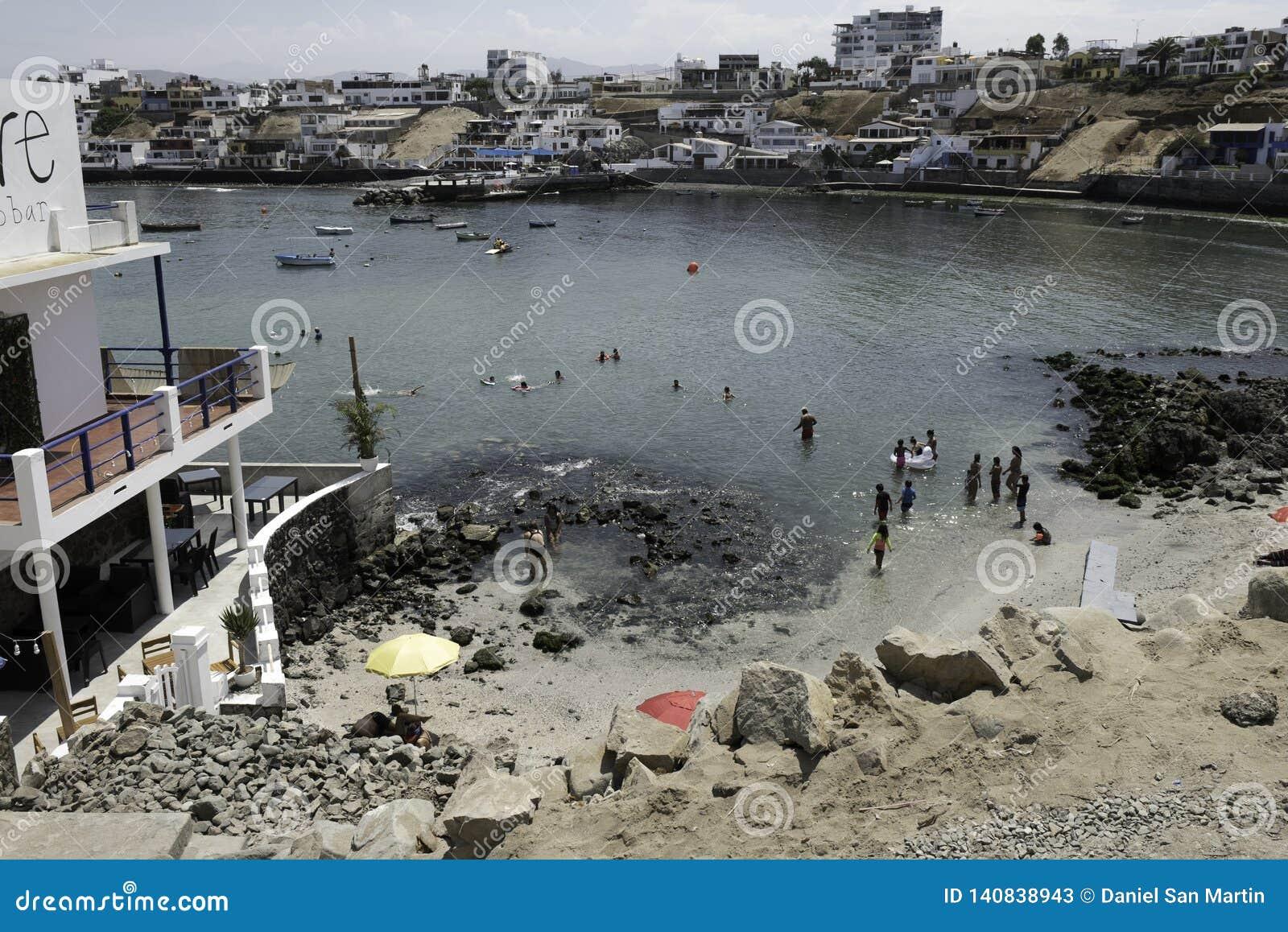 LIMA PERU: panoramautsikt av San Bartolo Beach