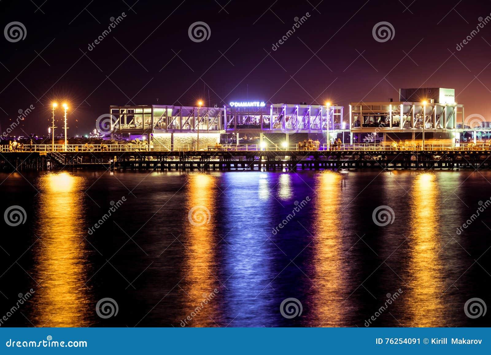 LIMASSOL CYPR, SIERPIEŃ, - 17, 2016: Niedawno budujący Limassol m