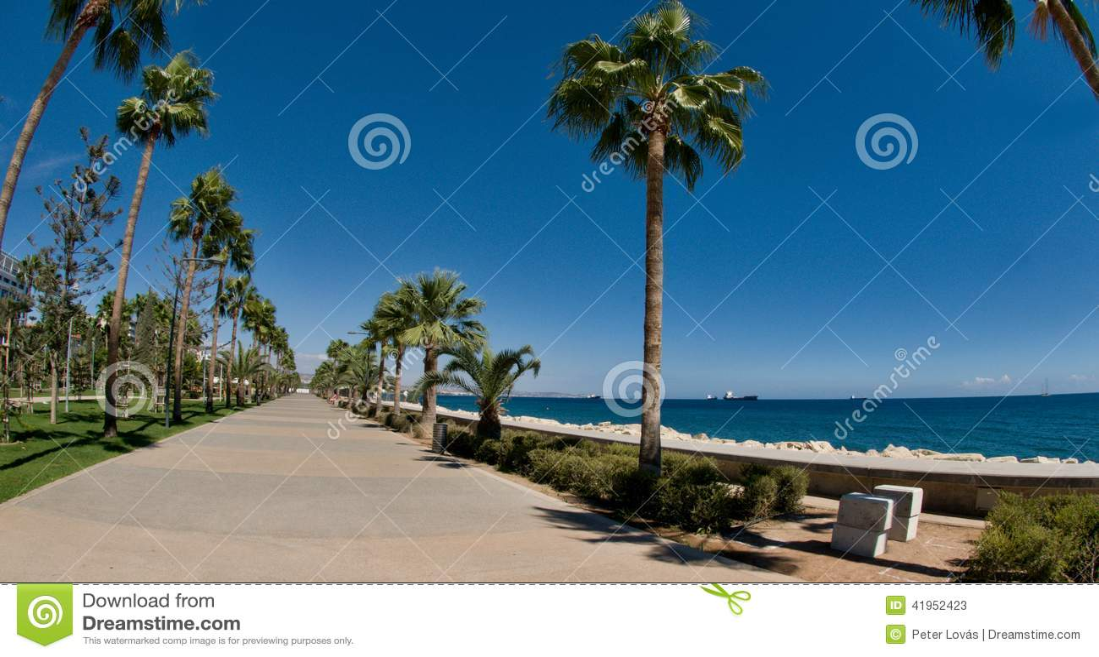 Limassol deptaka aleja, Molos, Cypr