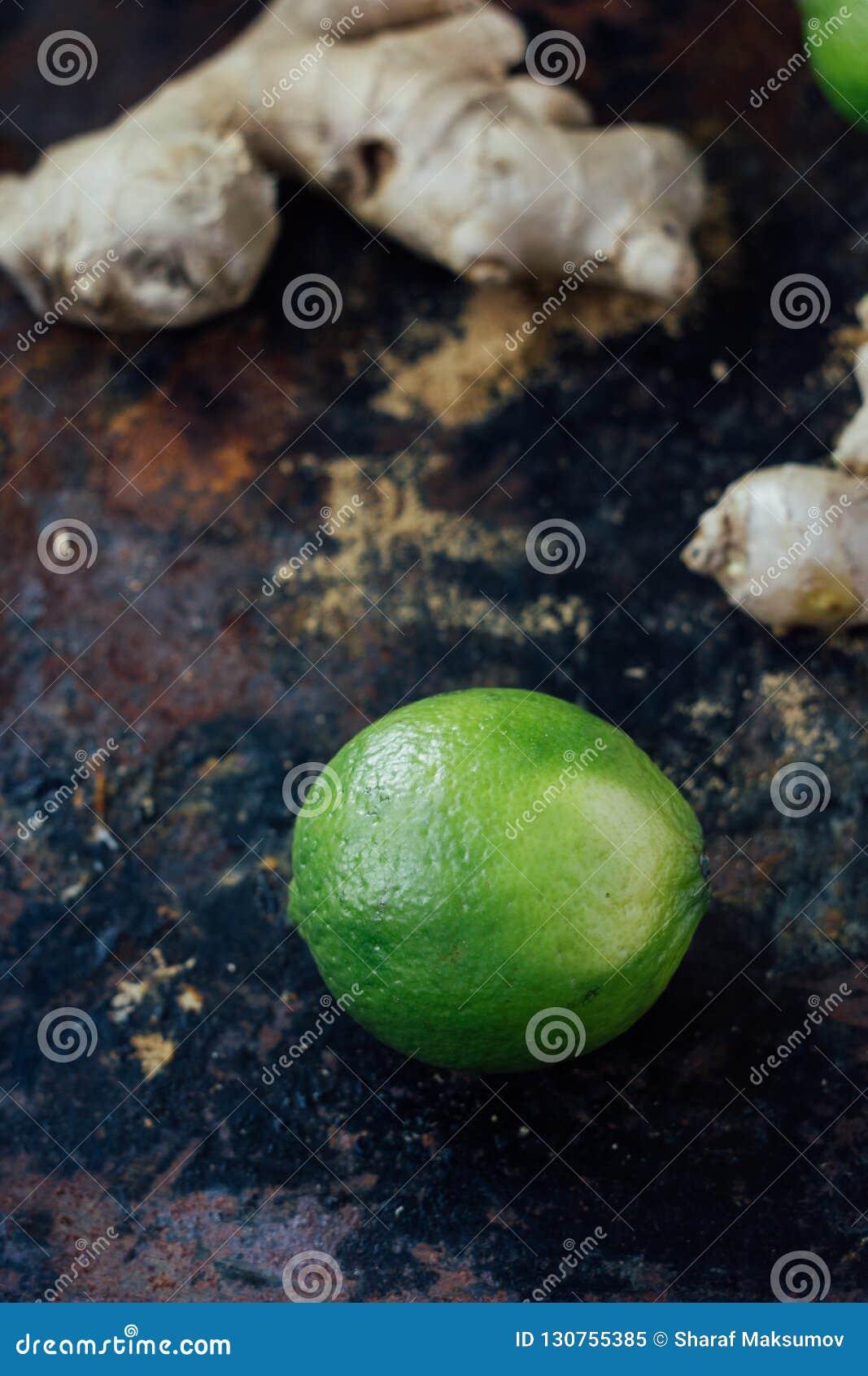 Limefrukt och ingefära