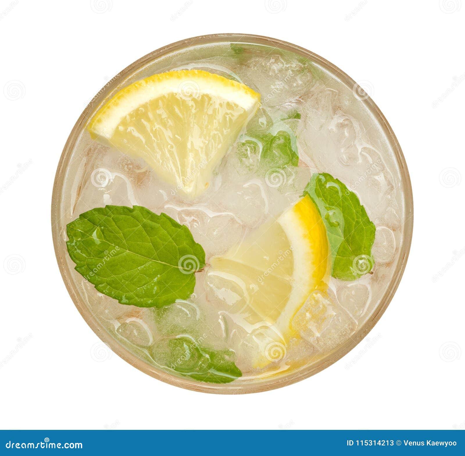 Limonada fresca do cocktail, soda do limão do mel com fatia amarela do cal e opinião superior da hortelã isoladas no fundo branco