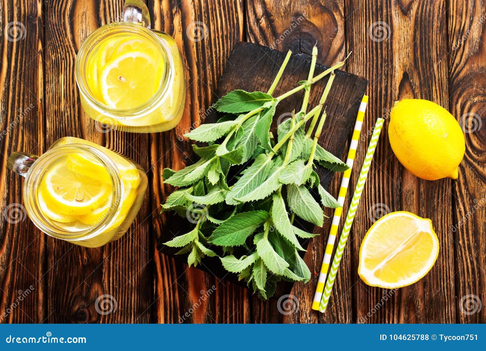 Download Limonade stock foto. Afbeelding bestaande uit citrusvrucht - 104625788