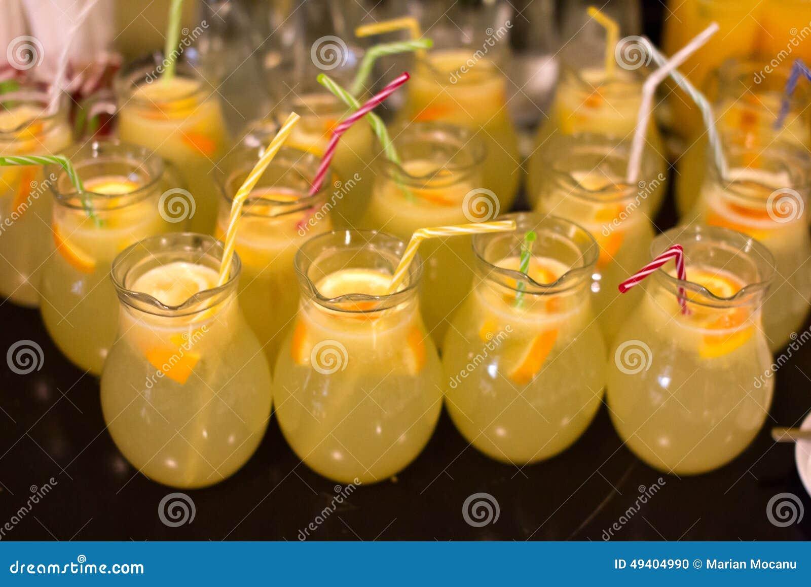 Download Limonade stockfoto. Bild von weiß, frisch, vollständig - 49404990