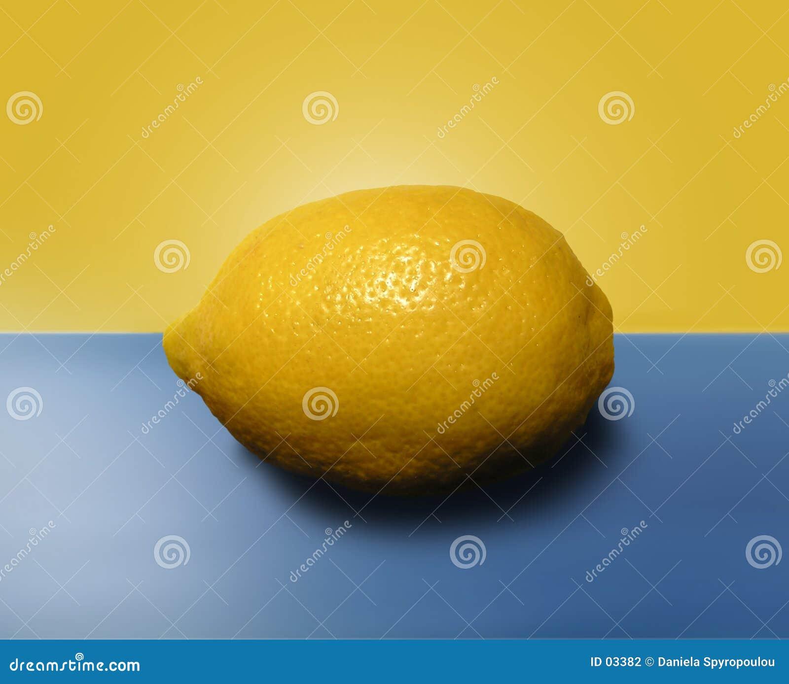 Download Limone fotografia stock. Immagine di oggetti, yellow, limone - 3382