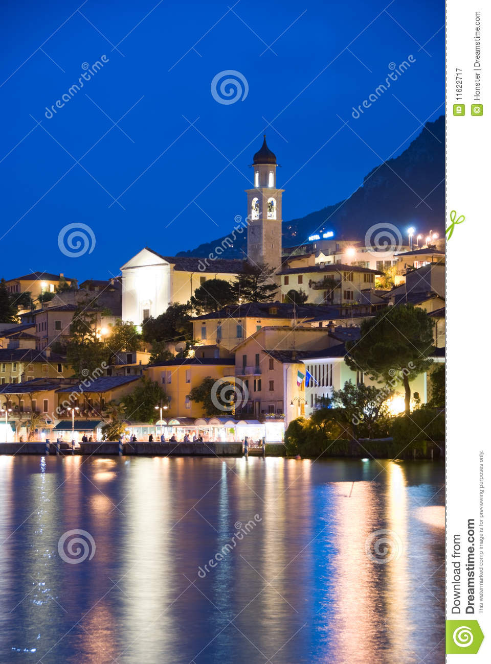 Limone by Night