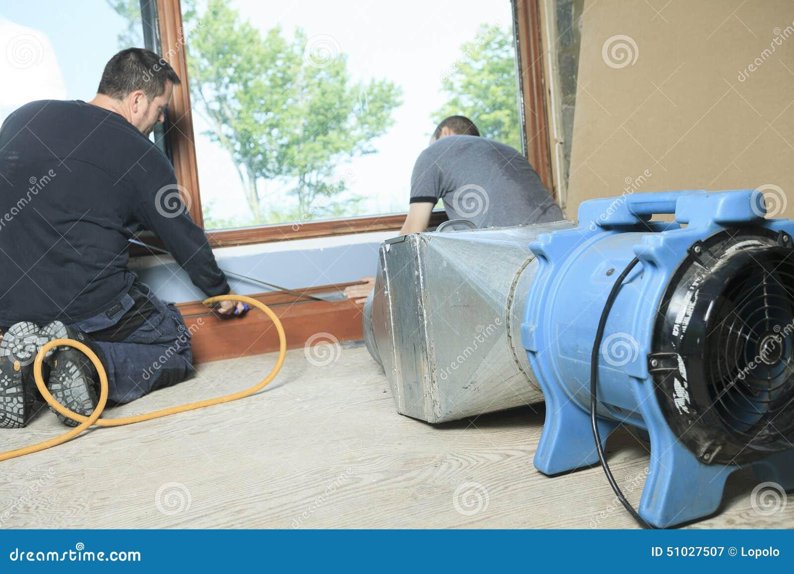 Limpiador de la ventilación que trabaja en un sistema de aire