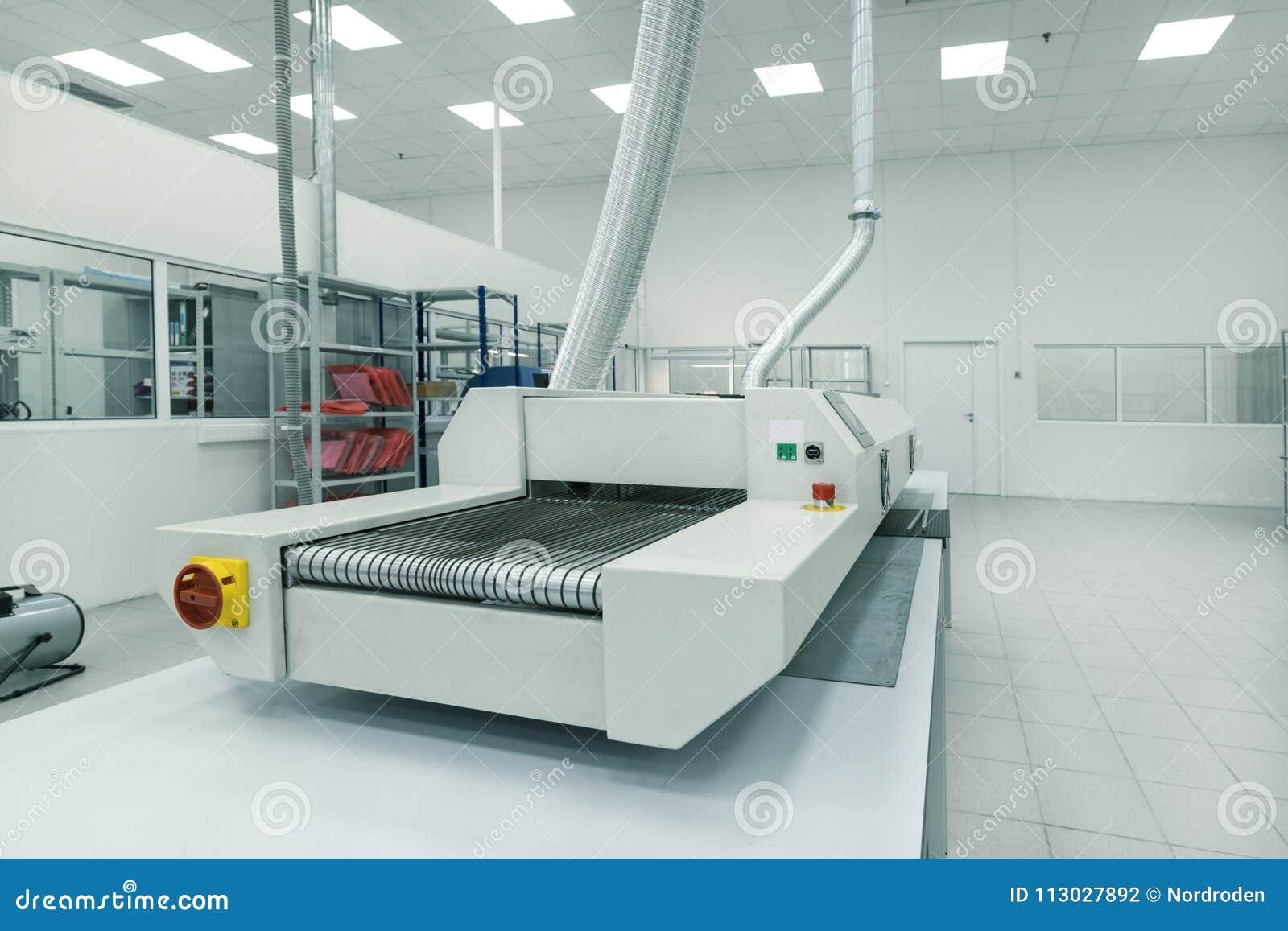 Limpie el sitio de la producción Fabricación de electrónica industrial