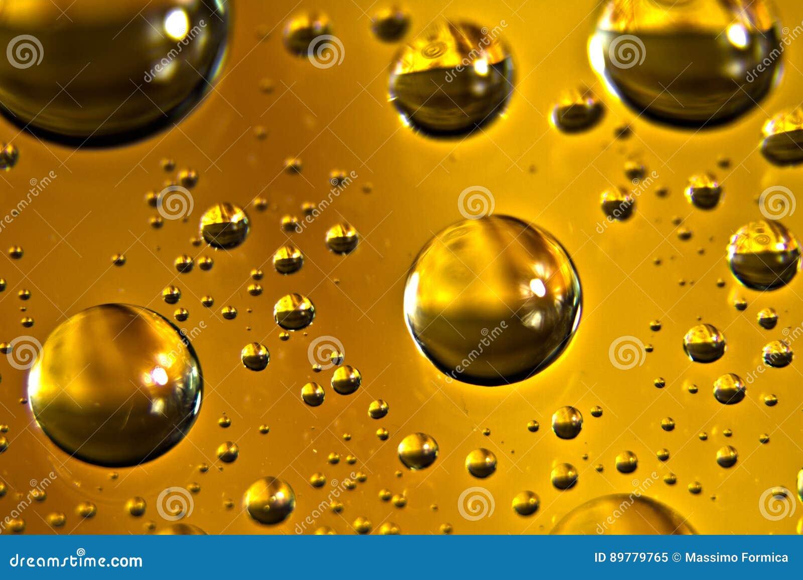 Limpie las burbujas del aceite de motor